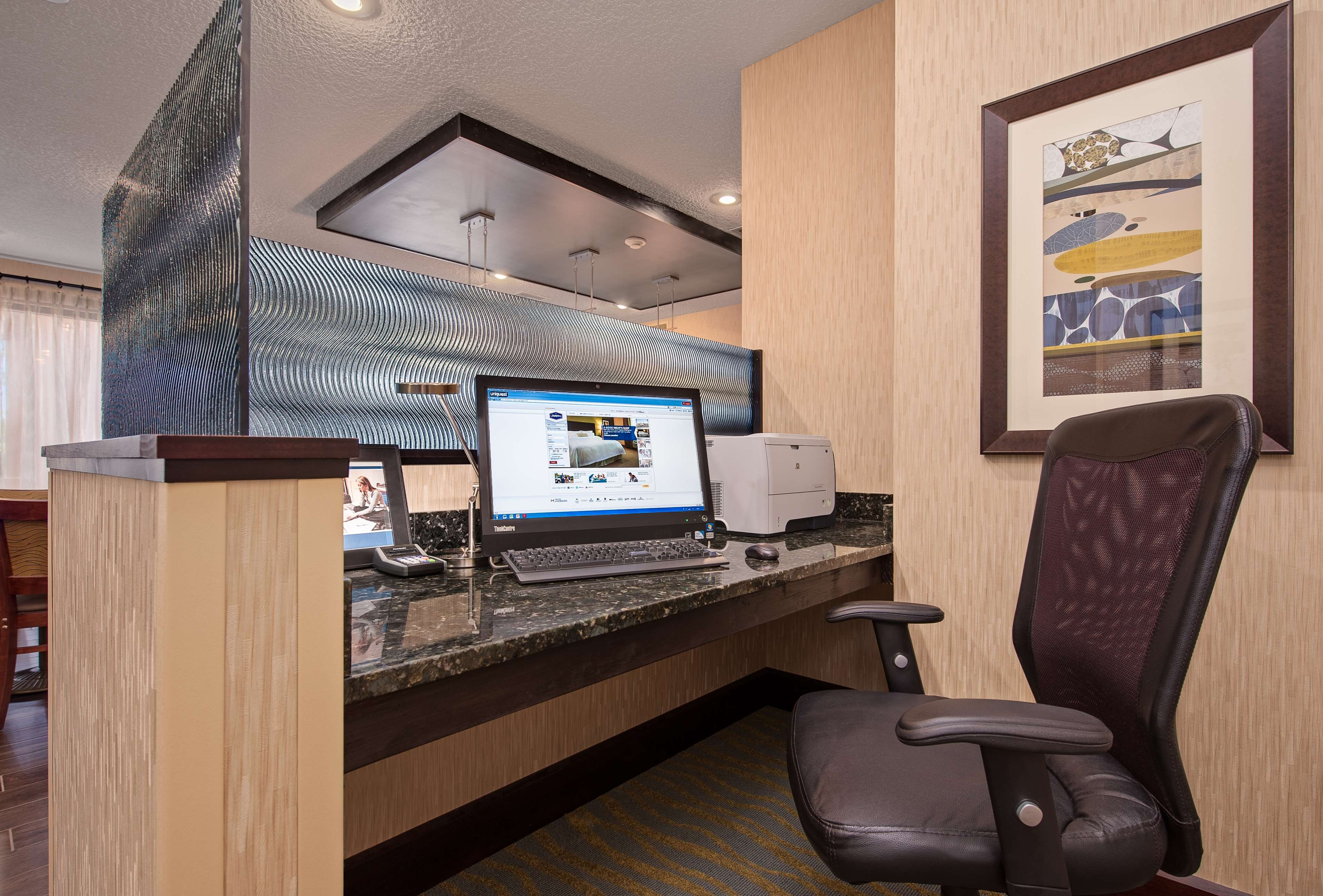 Hampton Inn Niceville-Eglin Air Force Base image 24