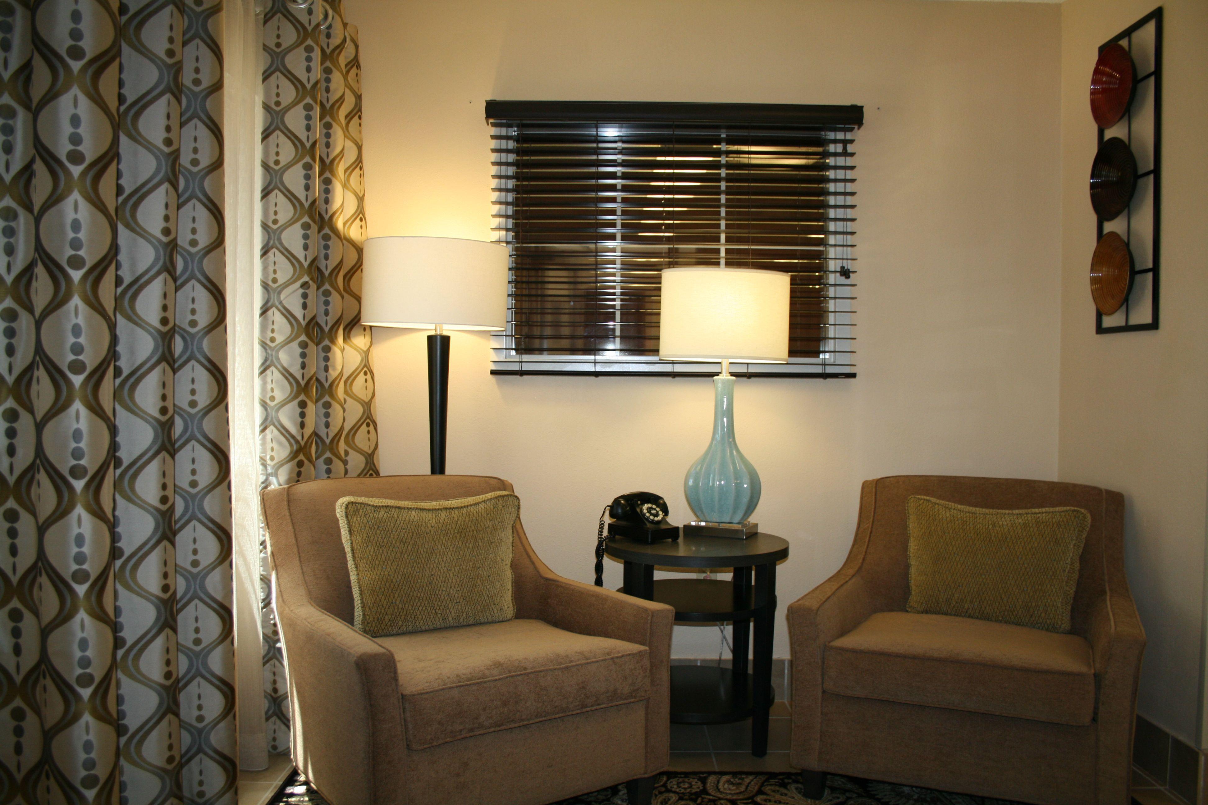 Candlewood Suites Arlington image 3