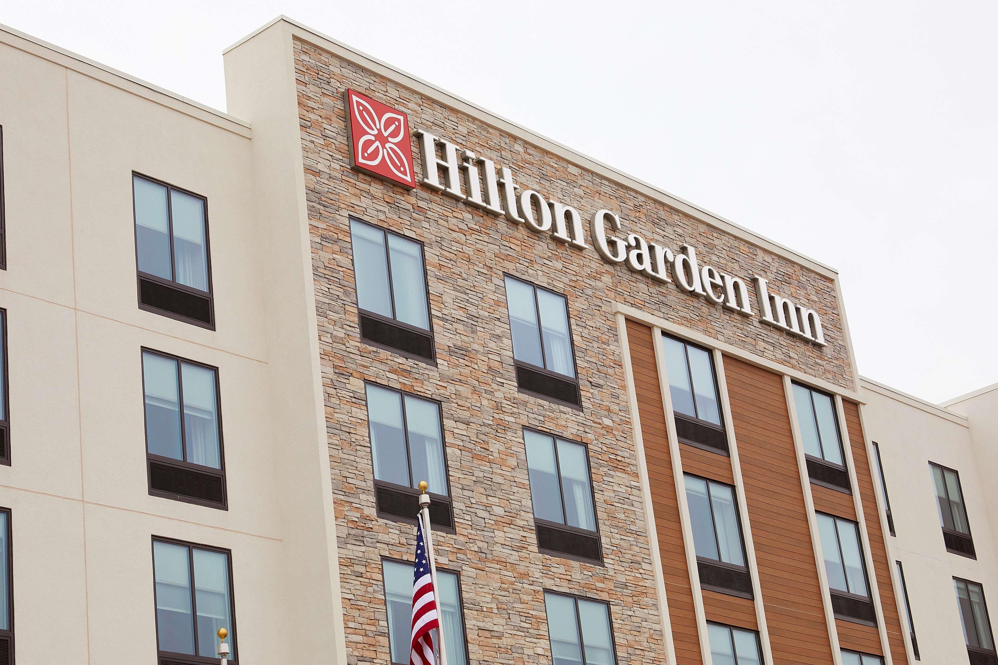 Hilton Garden Inn Elizabethtown image 1