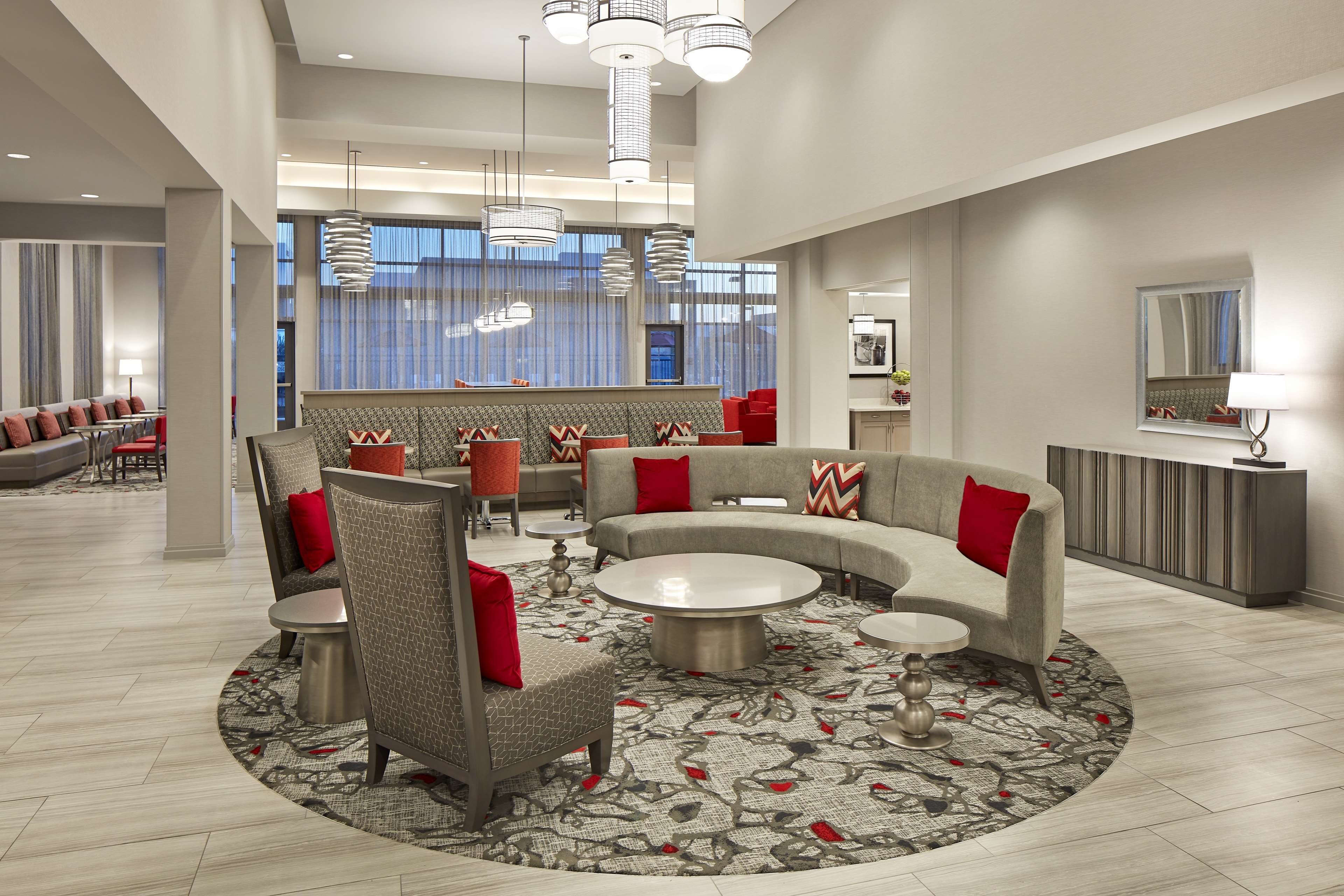 Hampton Inn Long Beach Airport image 9