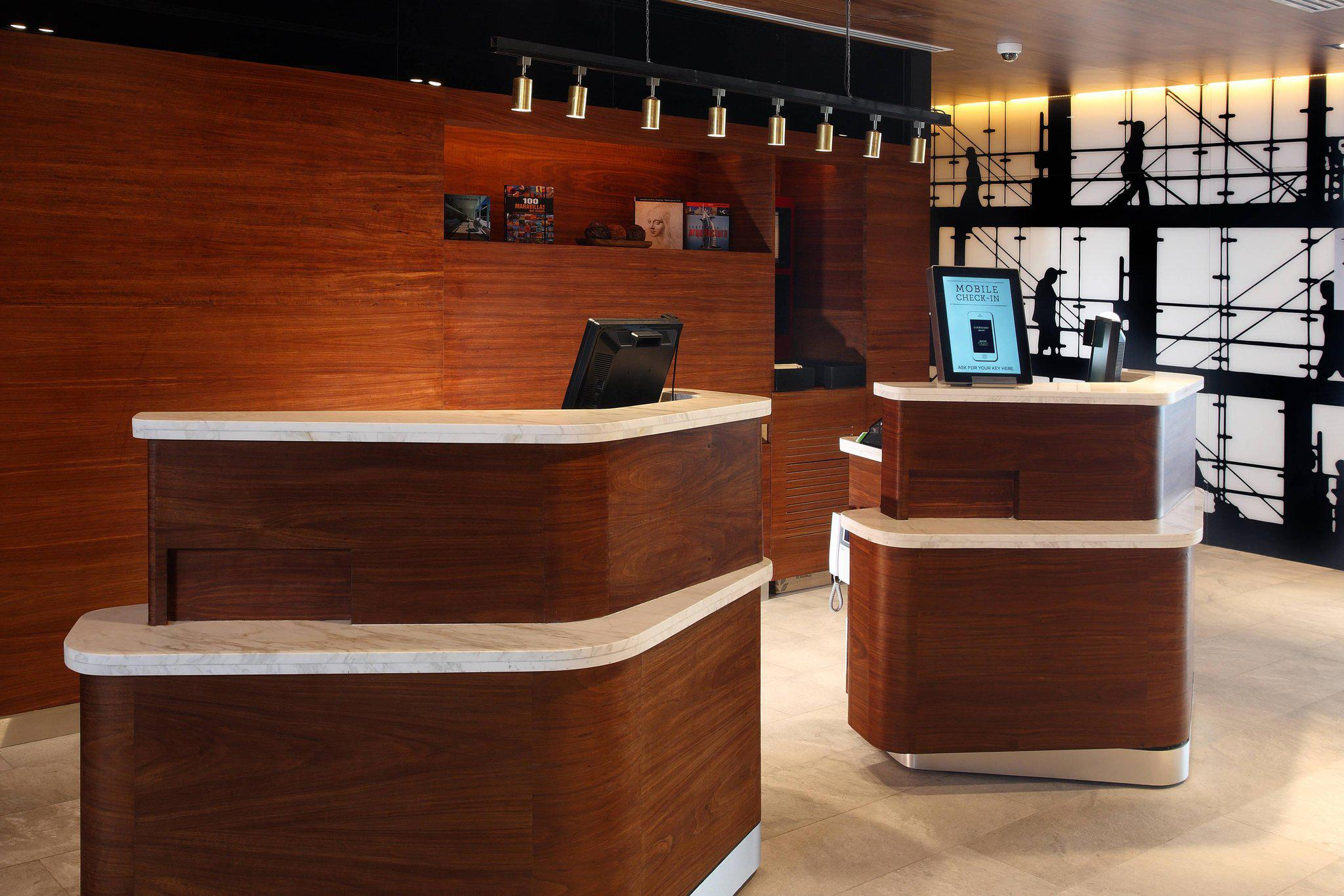 Courtyard by Marriott Mexico City Vallejo