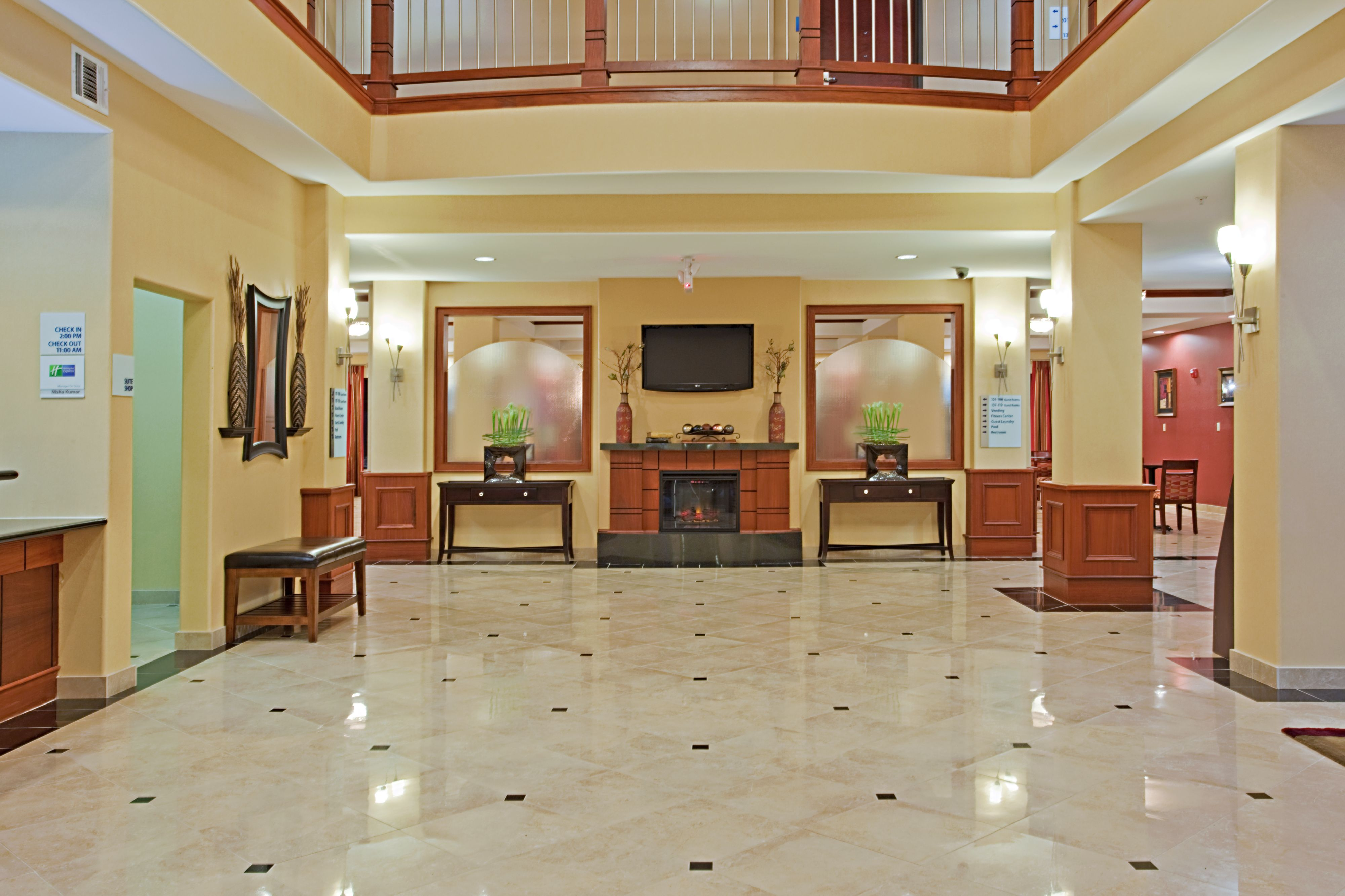 Holiday Inn Express & Suites Vidor South image 4