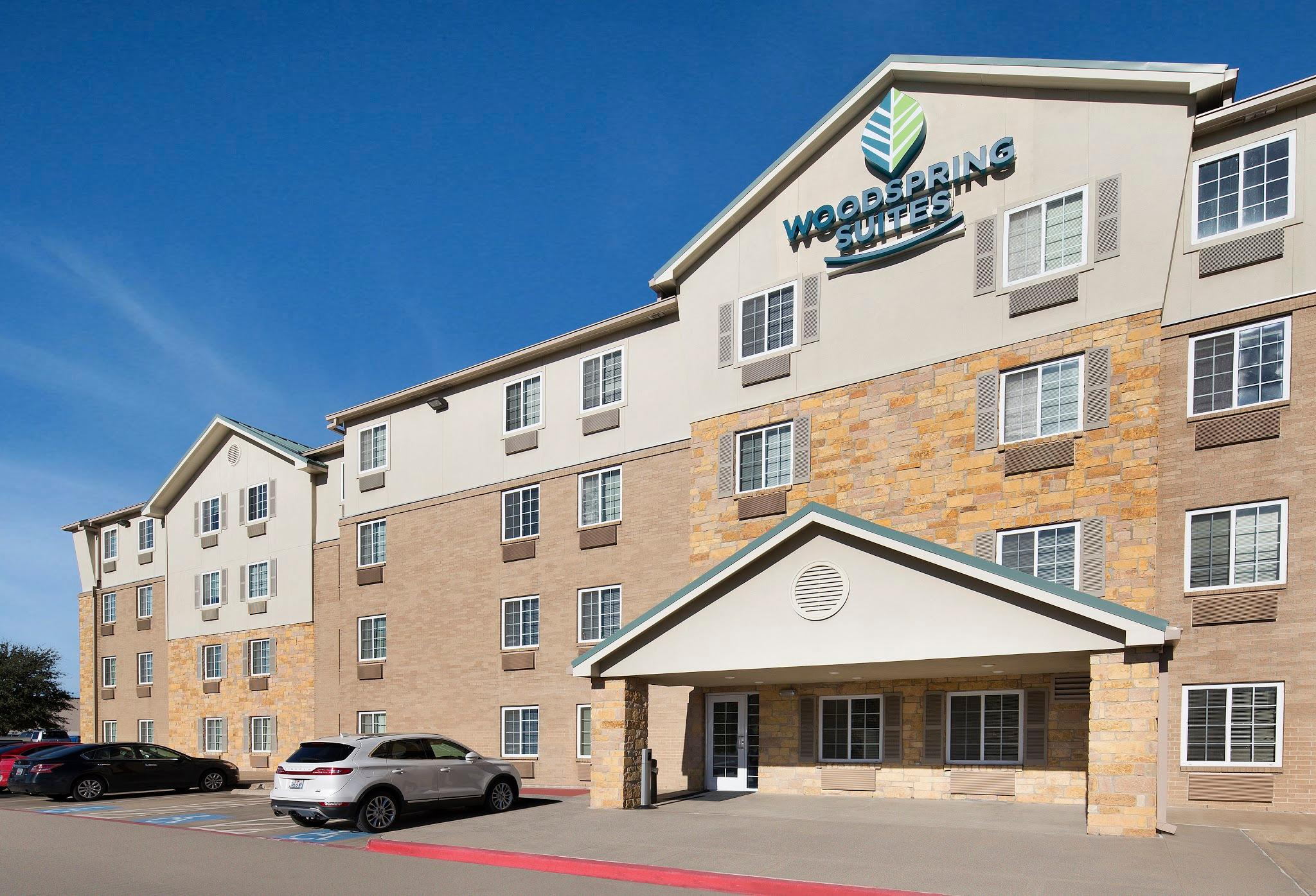 WoodSpring Suites Dallas Rockwall image 4