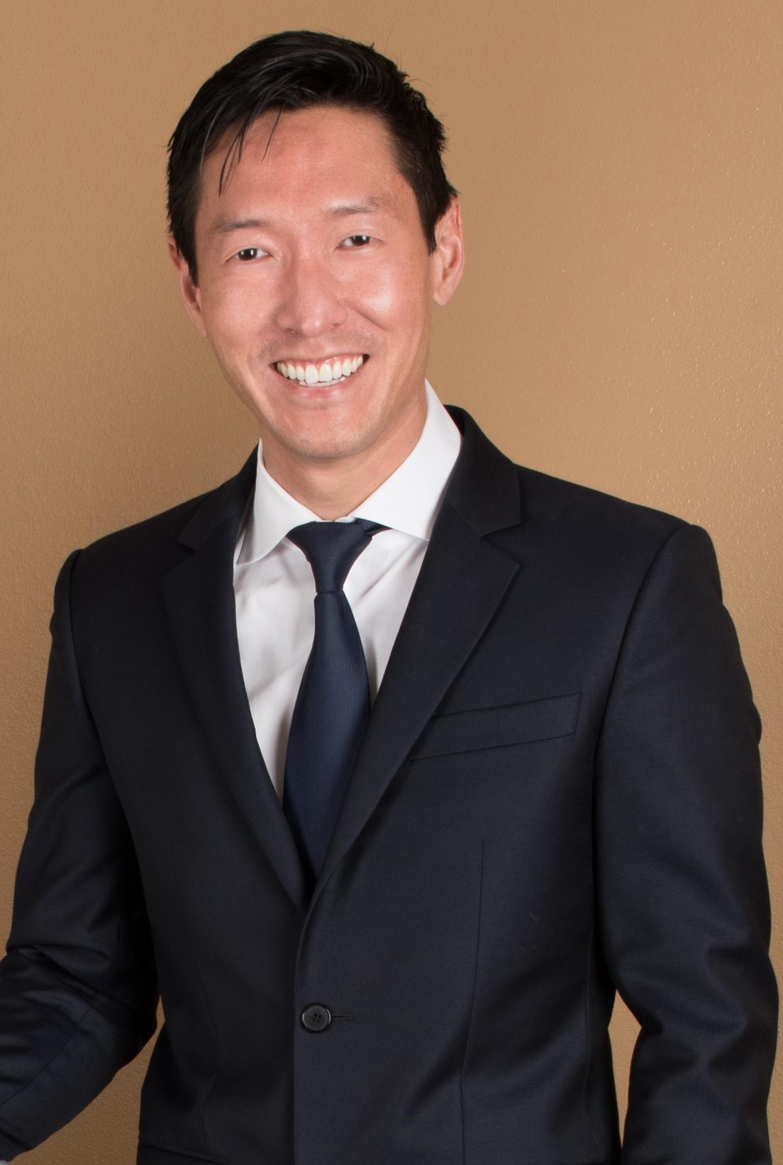 Dr. Samuel M. Sohn, , Cosmetic/Plastic Surgeon