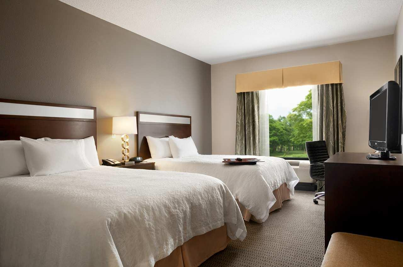 Hampton Inn & Suites Mansfield image 11