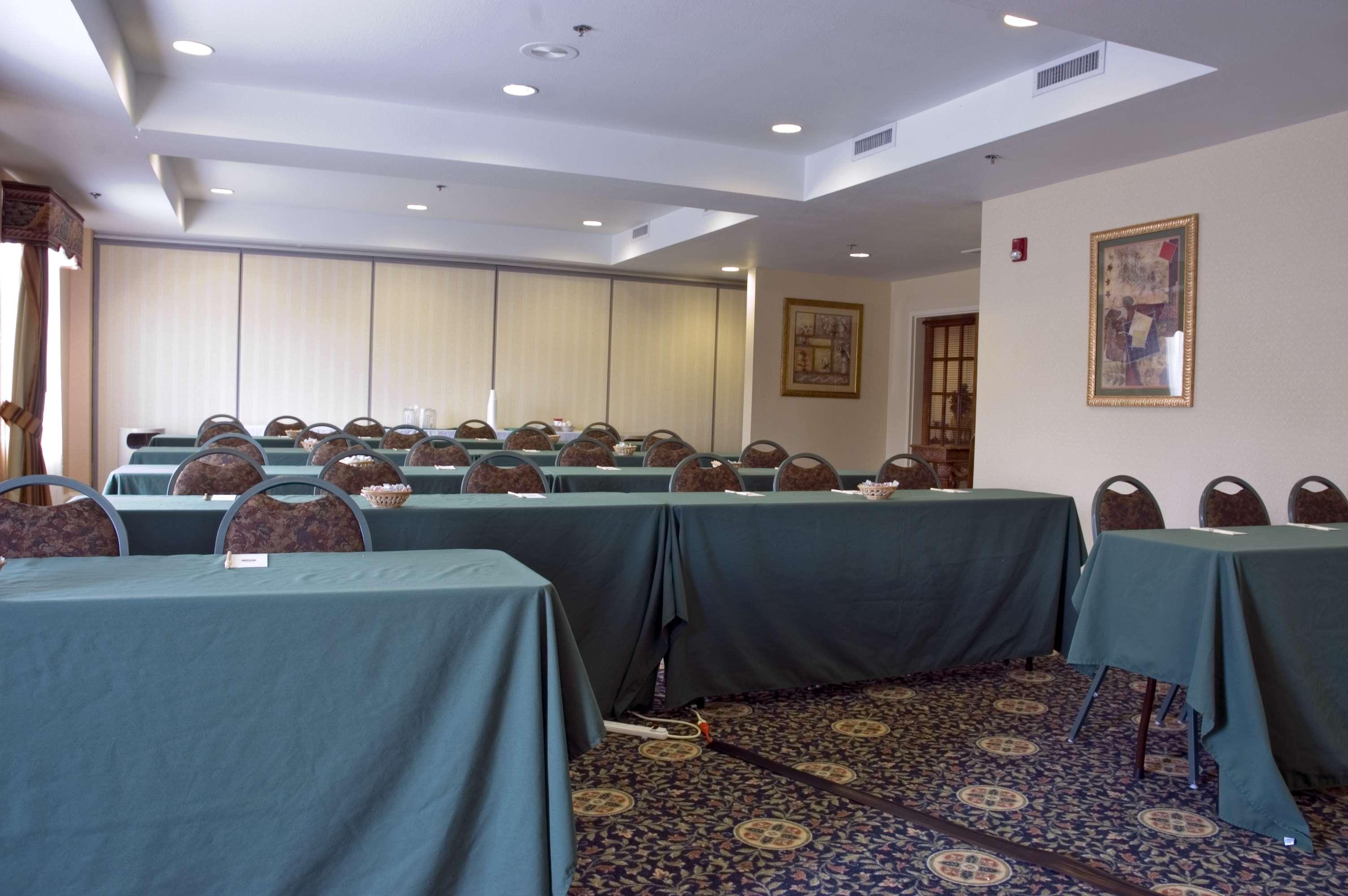 Best Western Plus Executive Hotel & Suites image 8