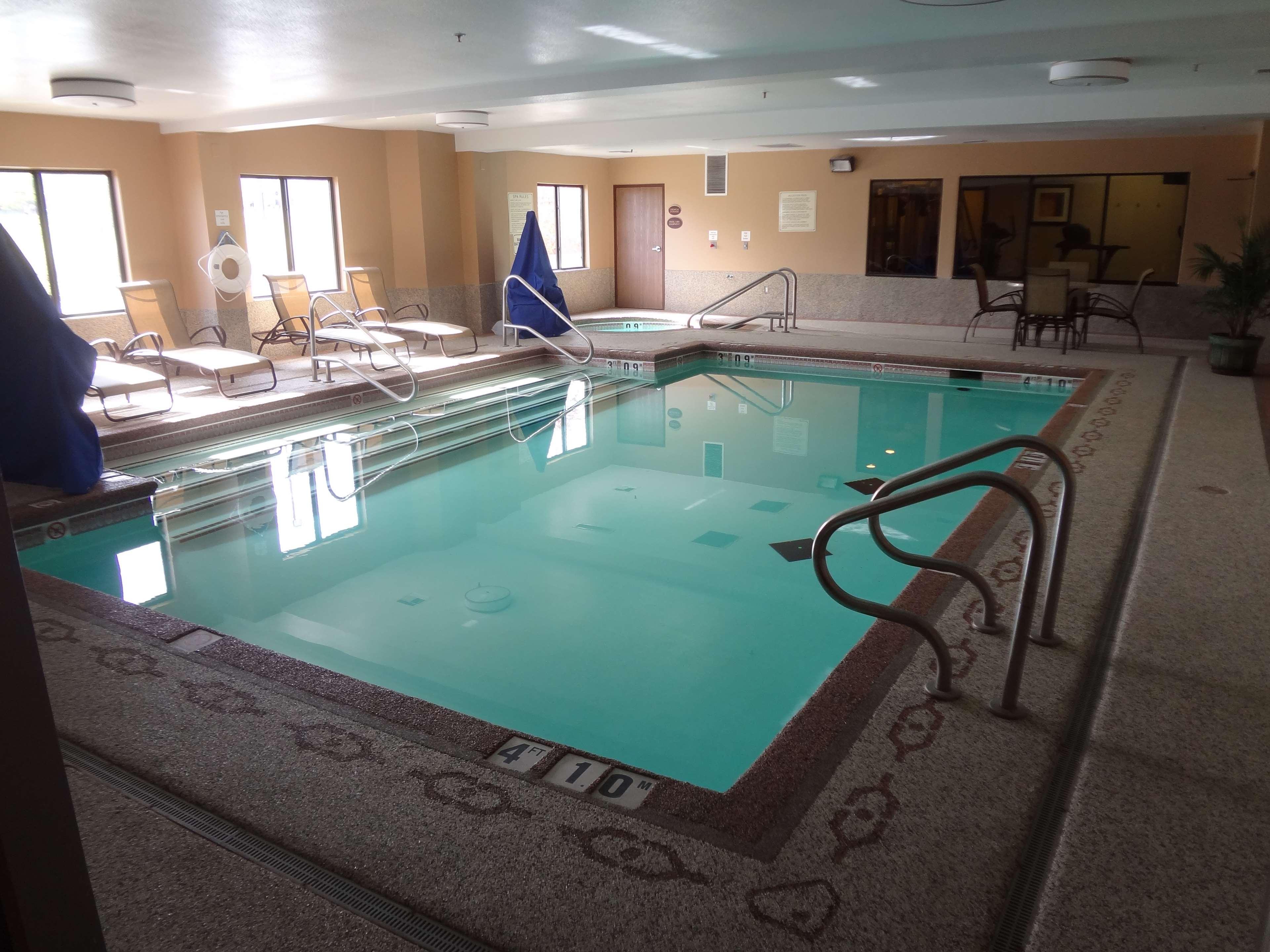 Best Western Plus Woodland Hills Hotel & Suites image 11