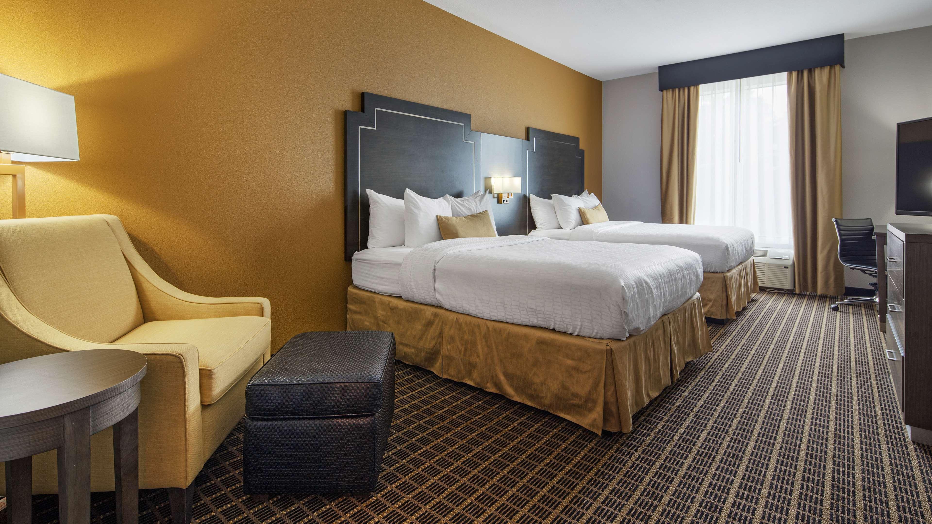 Best Western Plus Regency Park Hotel image 46