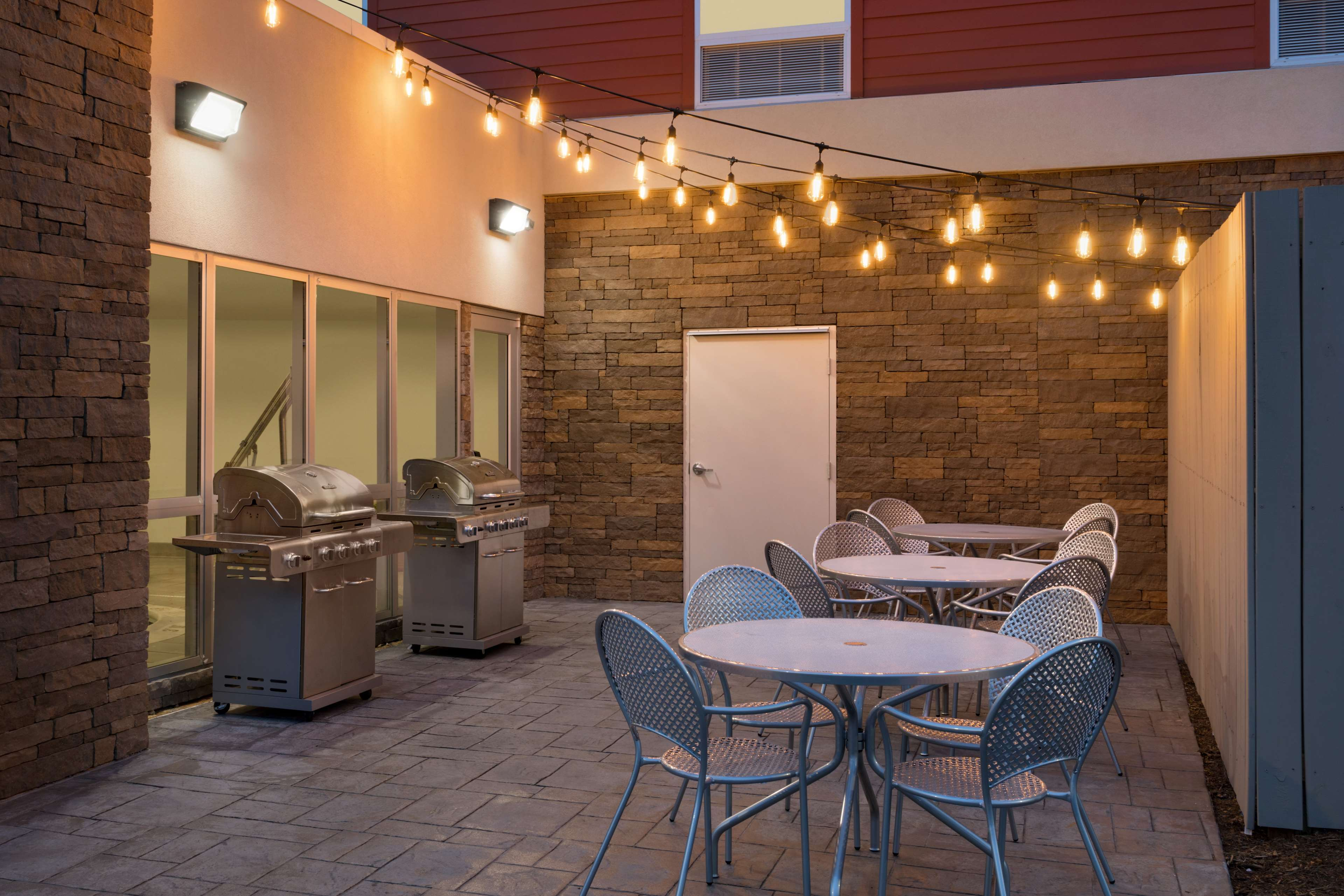Home2 Suites by Hilton Roanoke image 3