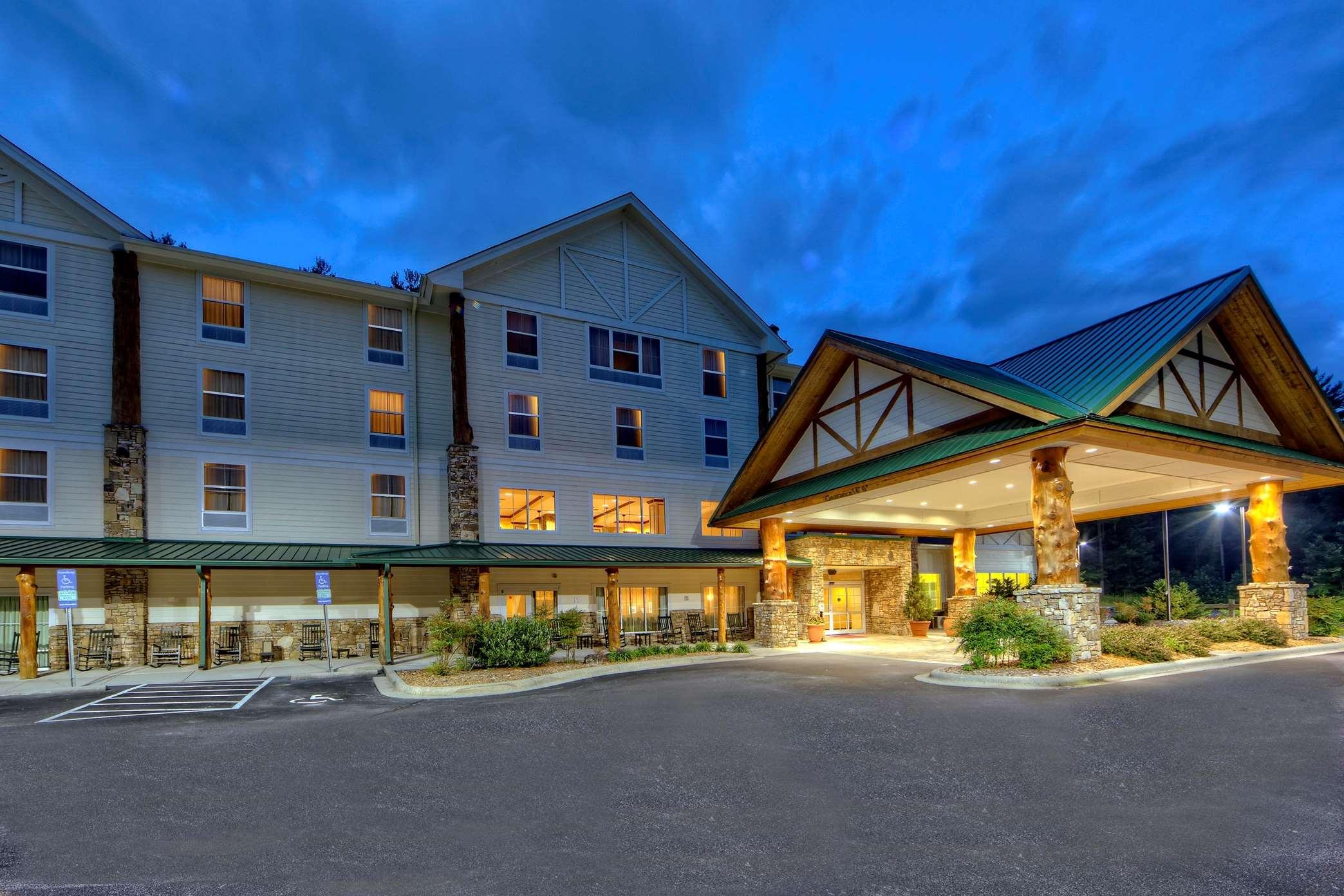Hampton Inn & Suites Cashiers-Sapphire Valley image 13