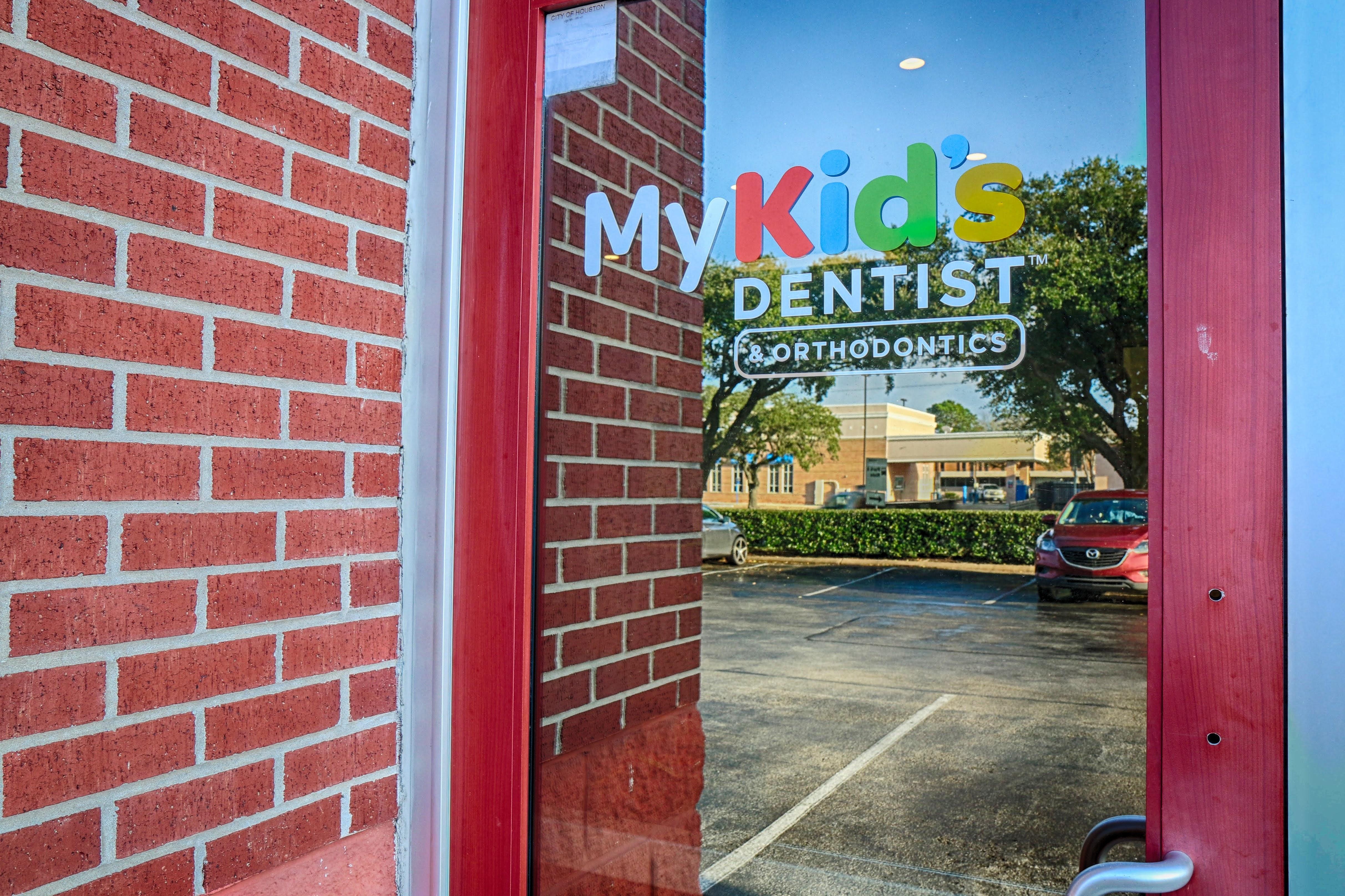 My Kid's Dentist image 3