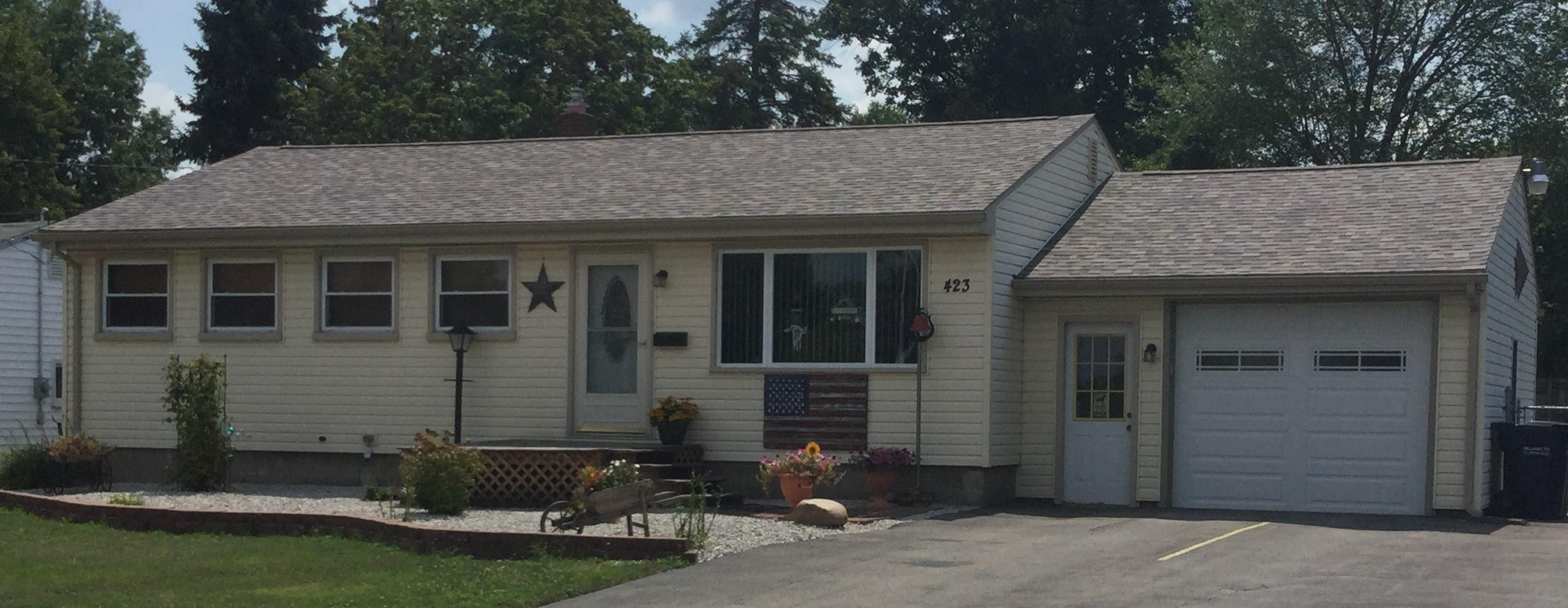 Owens Corning Duration Designer SandDune Shingles Installed on this Ranch Home in McDonald, Ohio ...