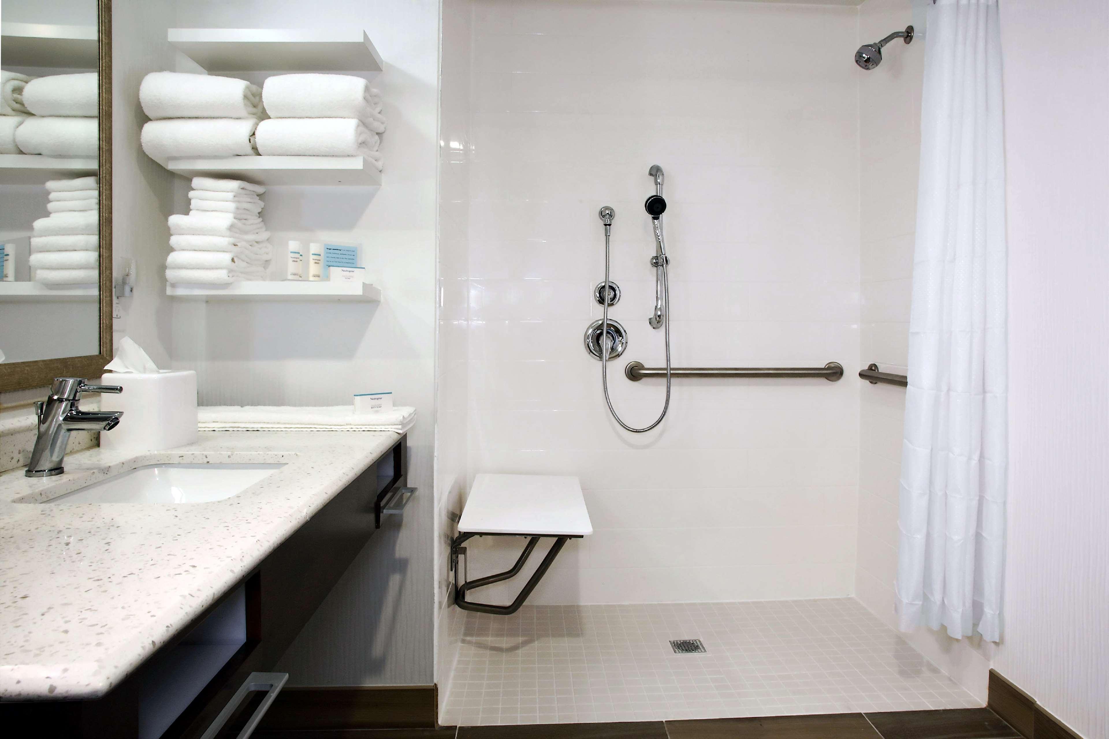 Hampton Inn & Suites Baltimore/Aberdeen image 18