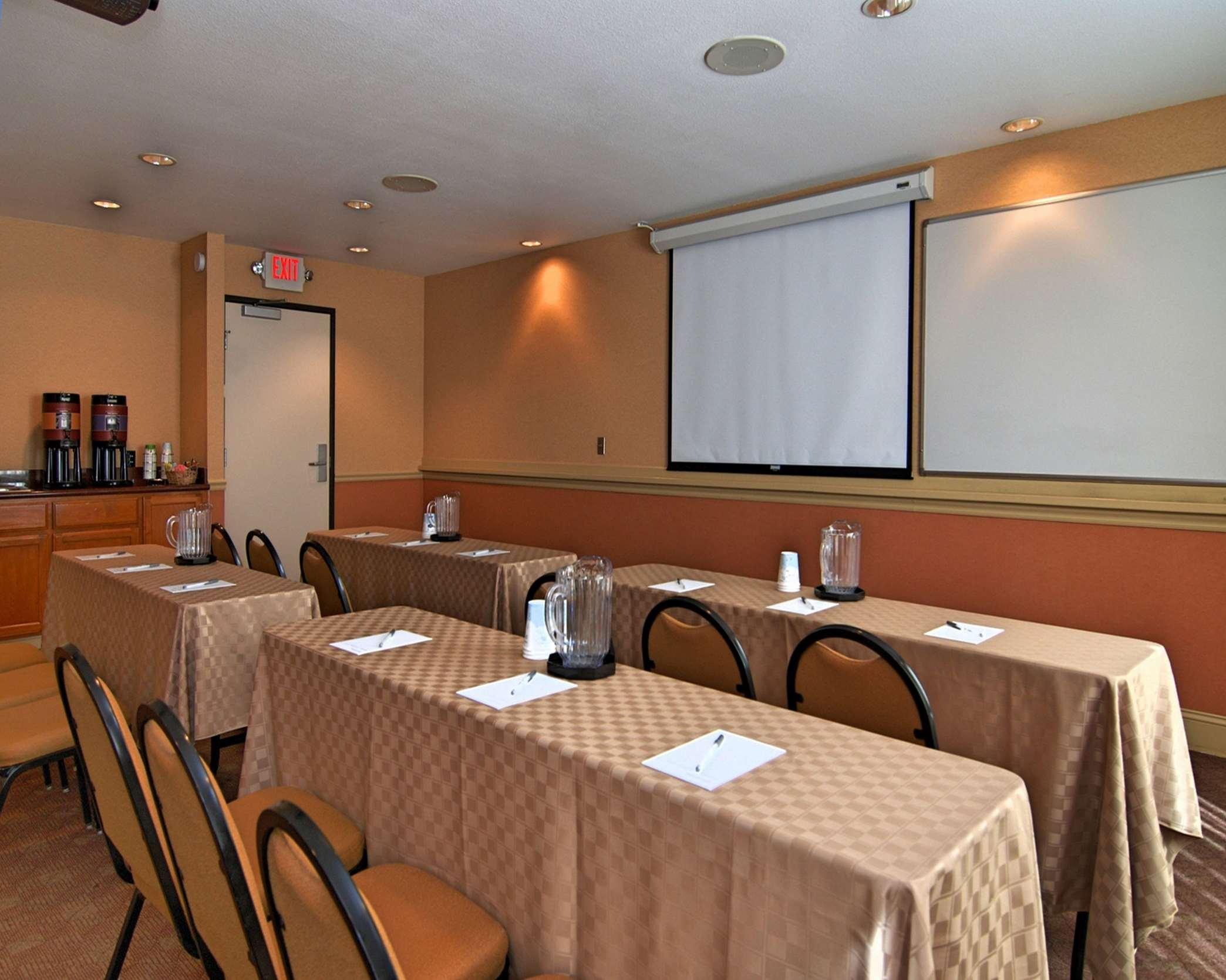 Hampton Inn & Suites Mountain View image 19