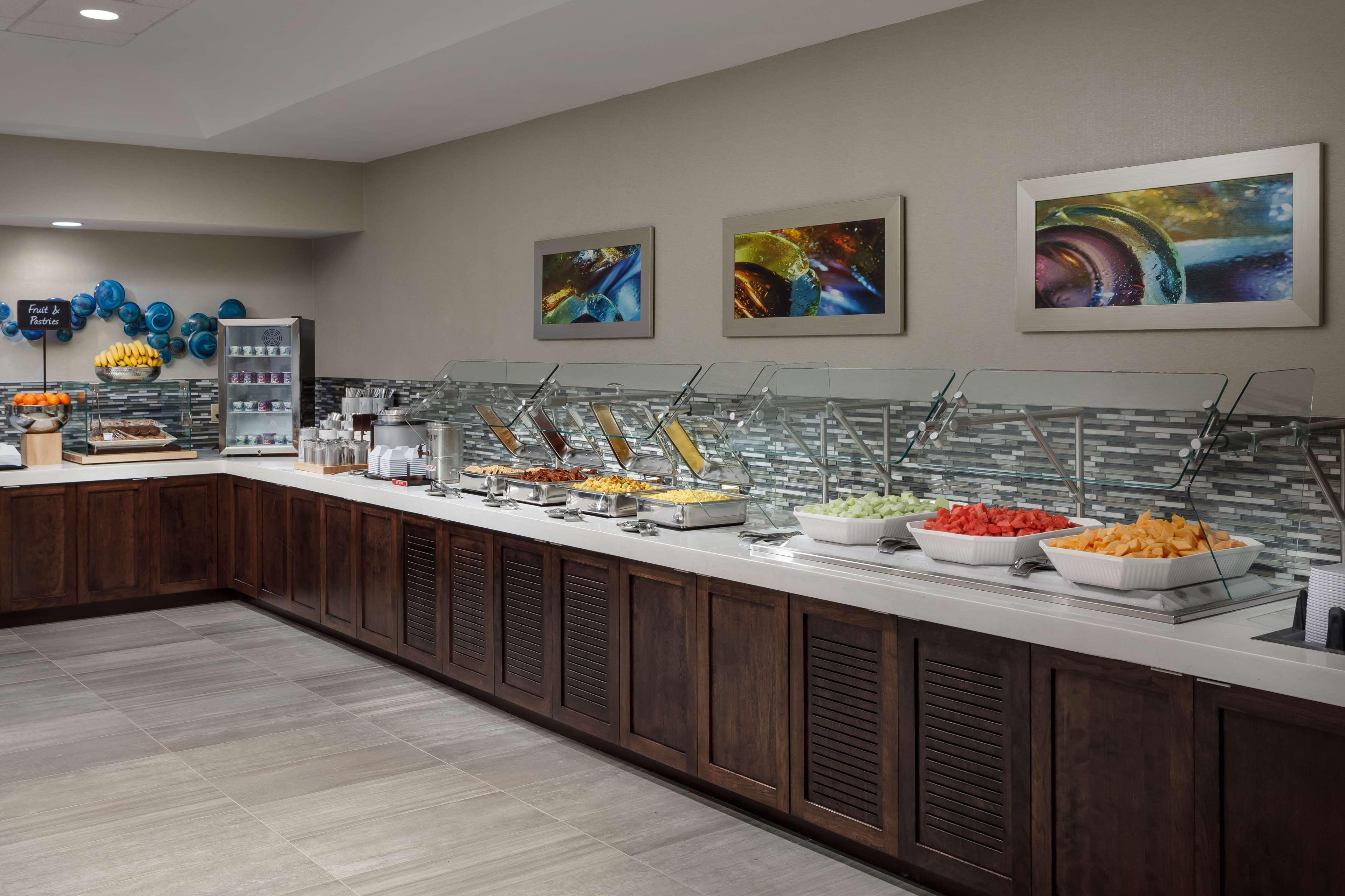Embassy Suites by Hilton Orlando Lake Buena Vista Resort image 11