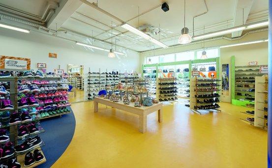 sale retailer b8b5e a3e61 Schuh Walter Eching - Marken-Outlet • Eching, Am Moos 9 ...