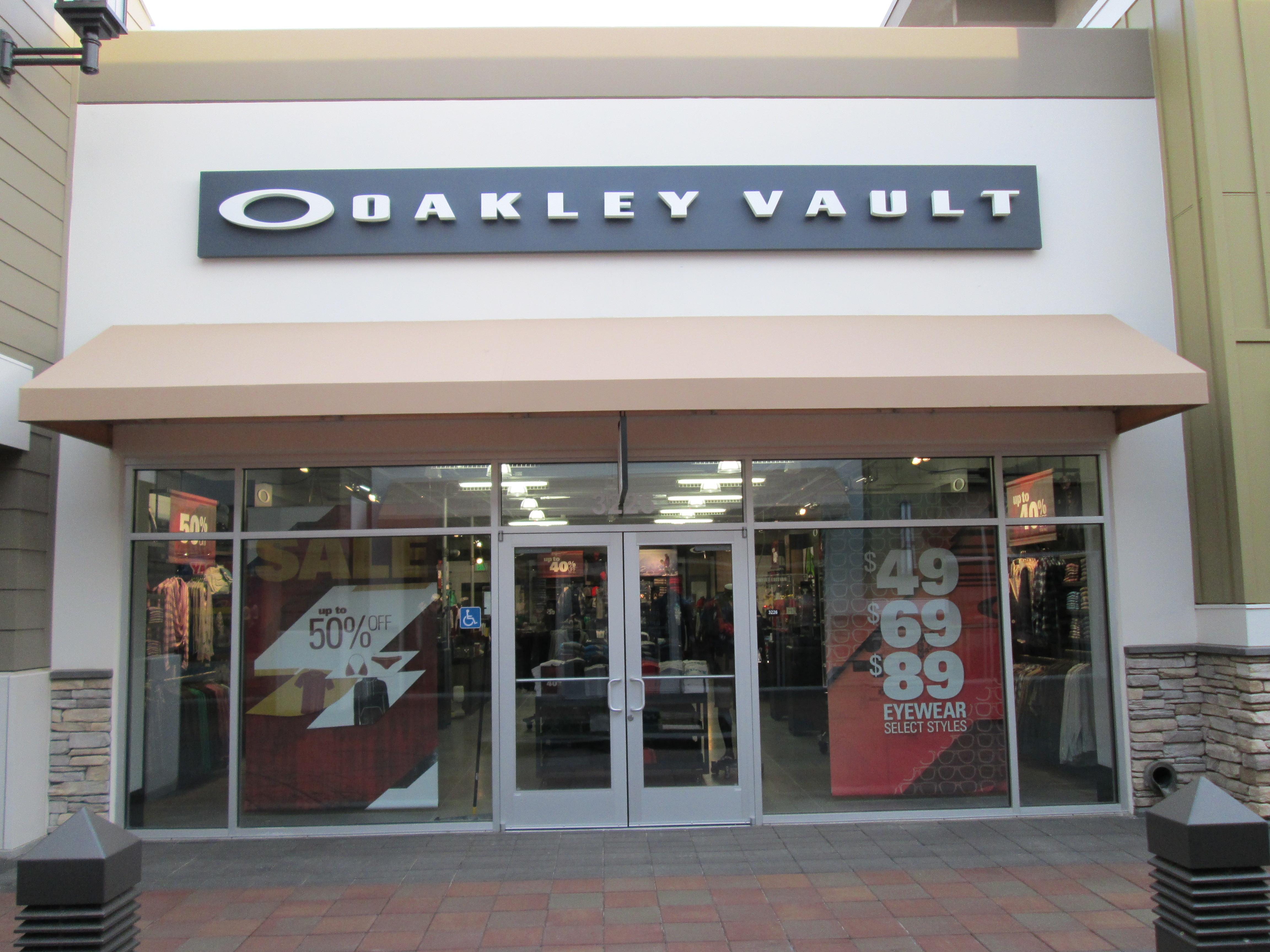 e0aa89c3b27 Oakley Vault San Francisco « Heritage Malta