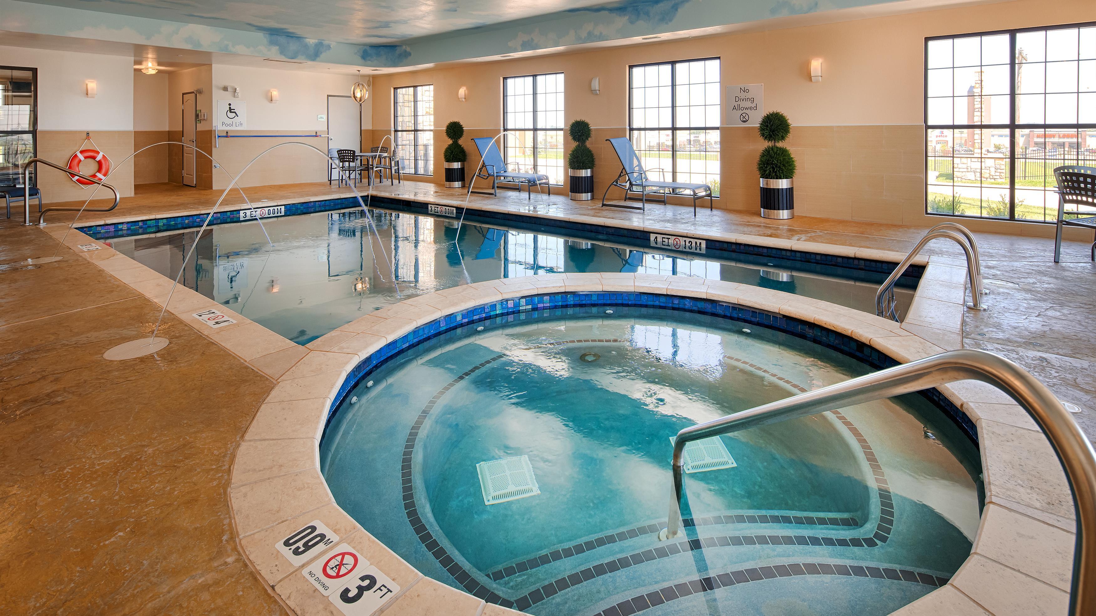 Best western plus emerald inn suites in garden city ks for Garden city pool