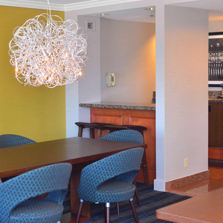 DoubleTree by Hilton Hotel Newark - Fremont image 36