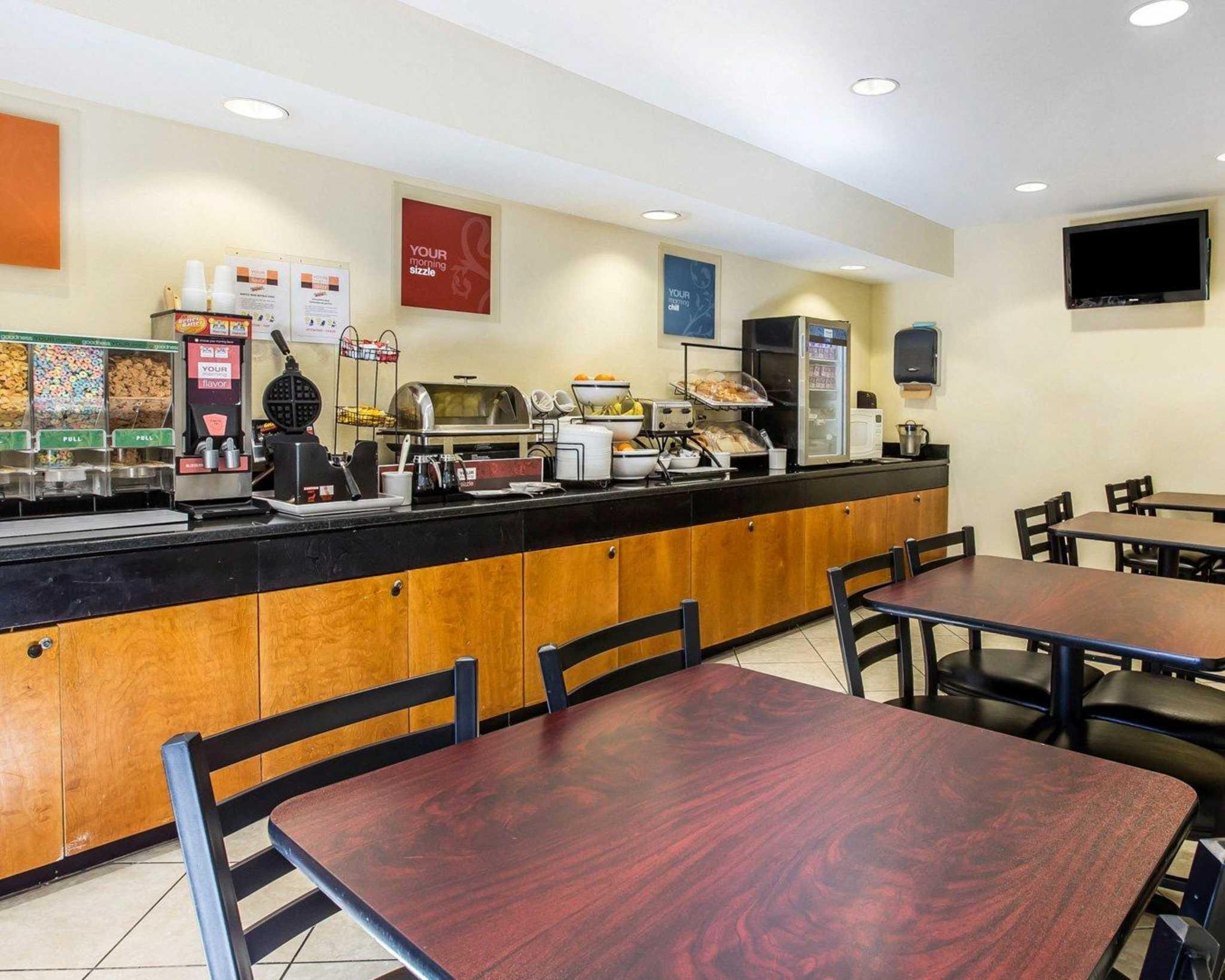 Quality Inn Darien-North Brunswick image 21