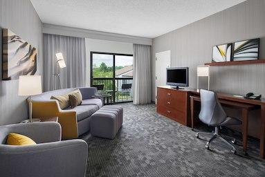 Courtyard by Marriott Pittsburgh Airport image 5