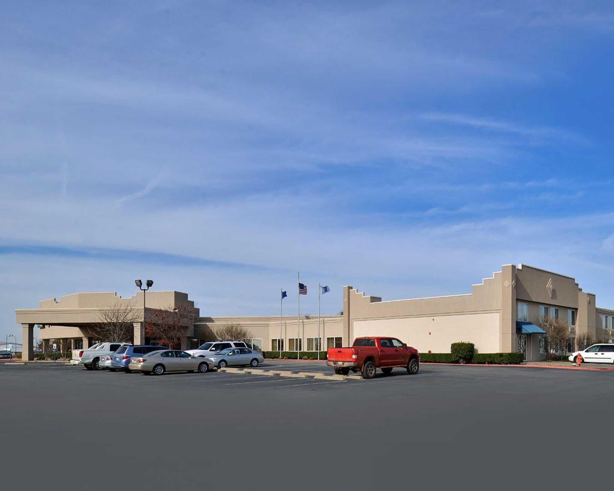 Quality Inn Oklahoma City Airport image 22