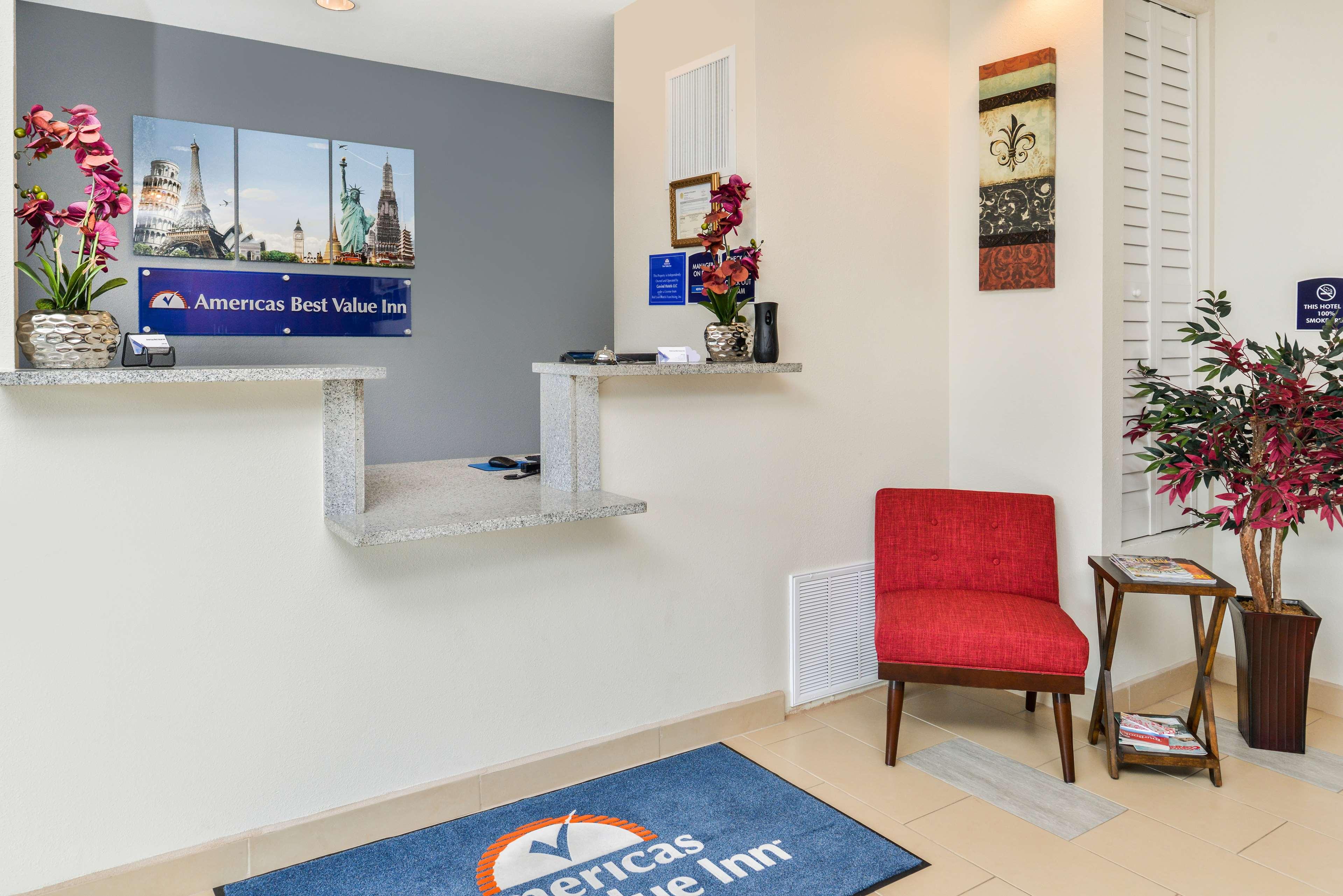 Americas Best Value Inn - Baton Rouge / College Drive image 3