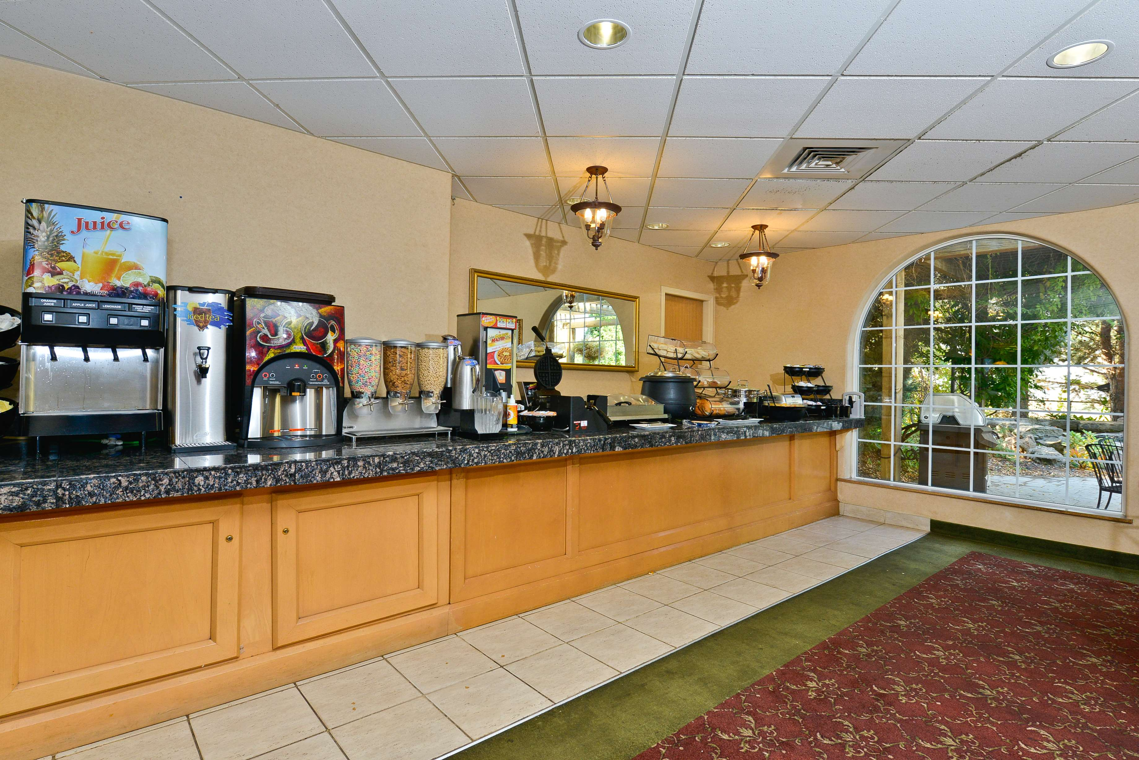 Best Western Plus Caldwell Inn & Suites image 39
