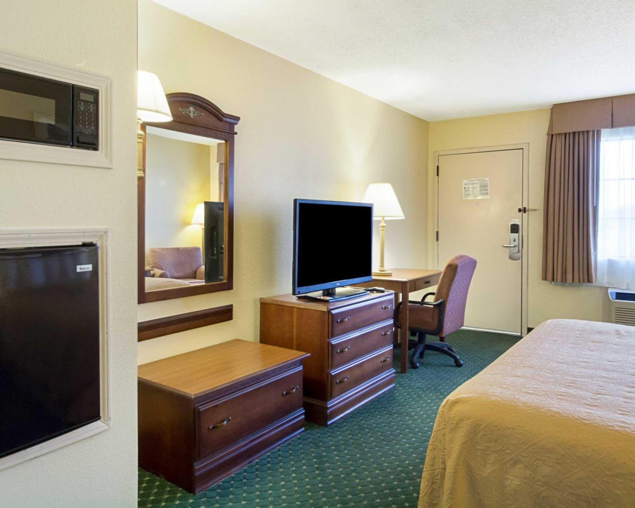 Quality Inn & Suites Southwest image 33