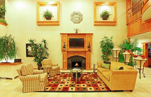 Holiday Inn Longview - North image 4