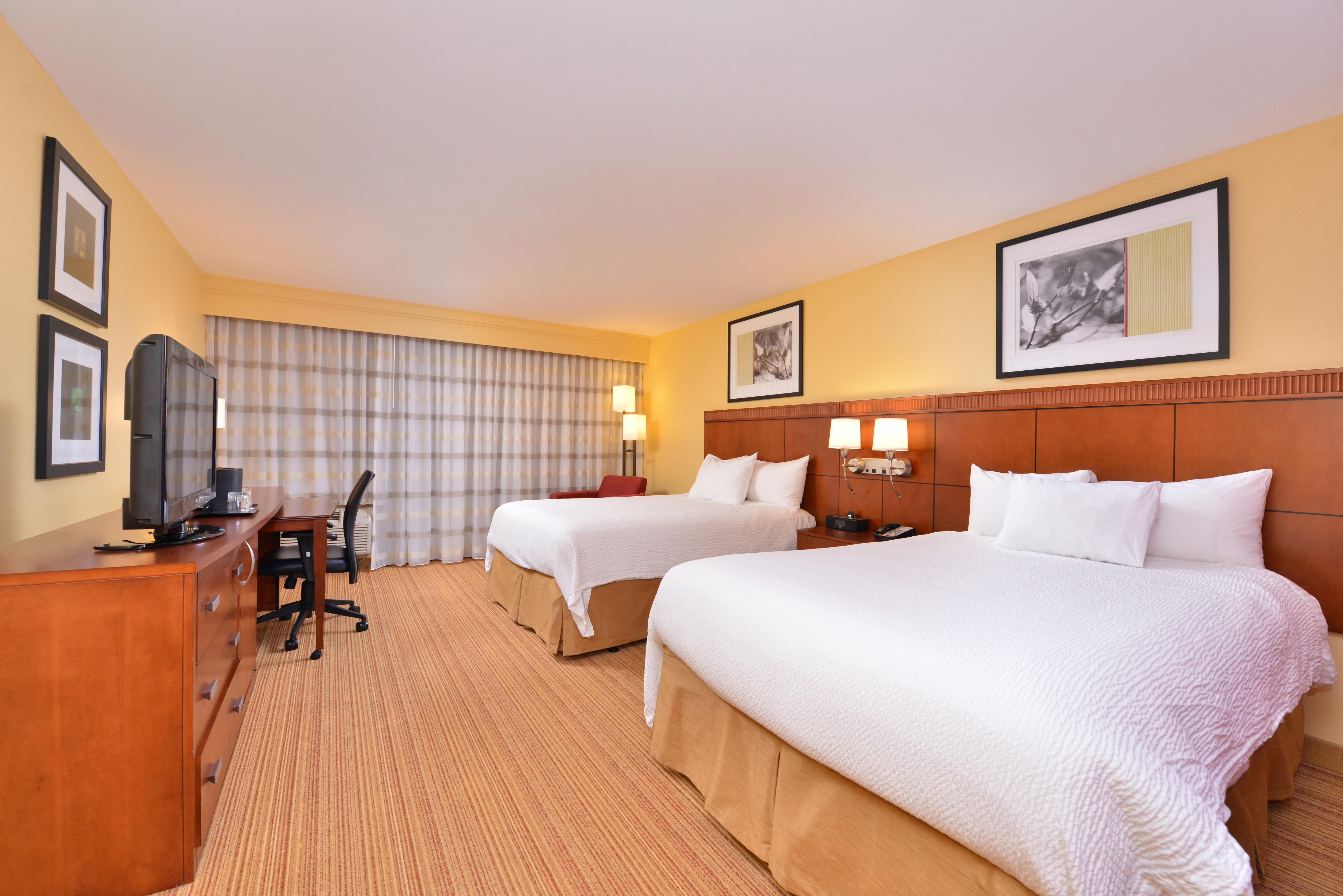 Courtyard by Marriott Tampa North/I-75 Fletcher image 3