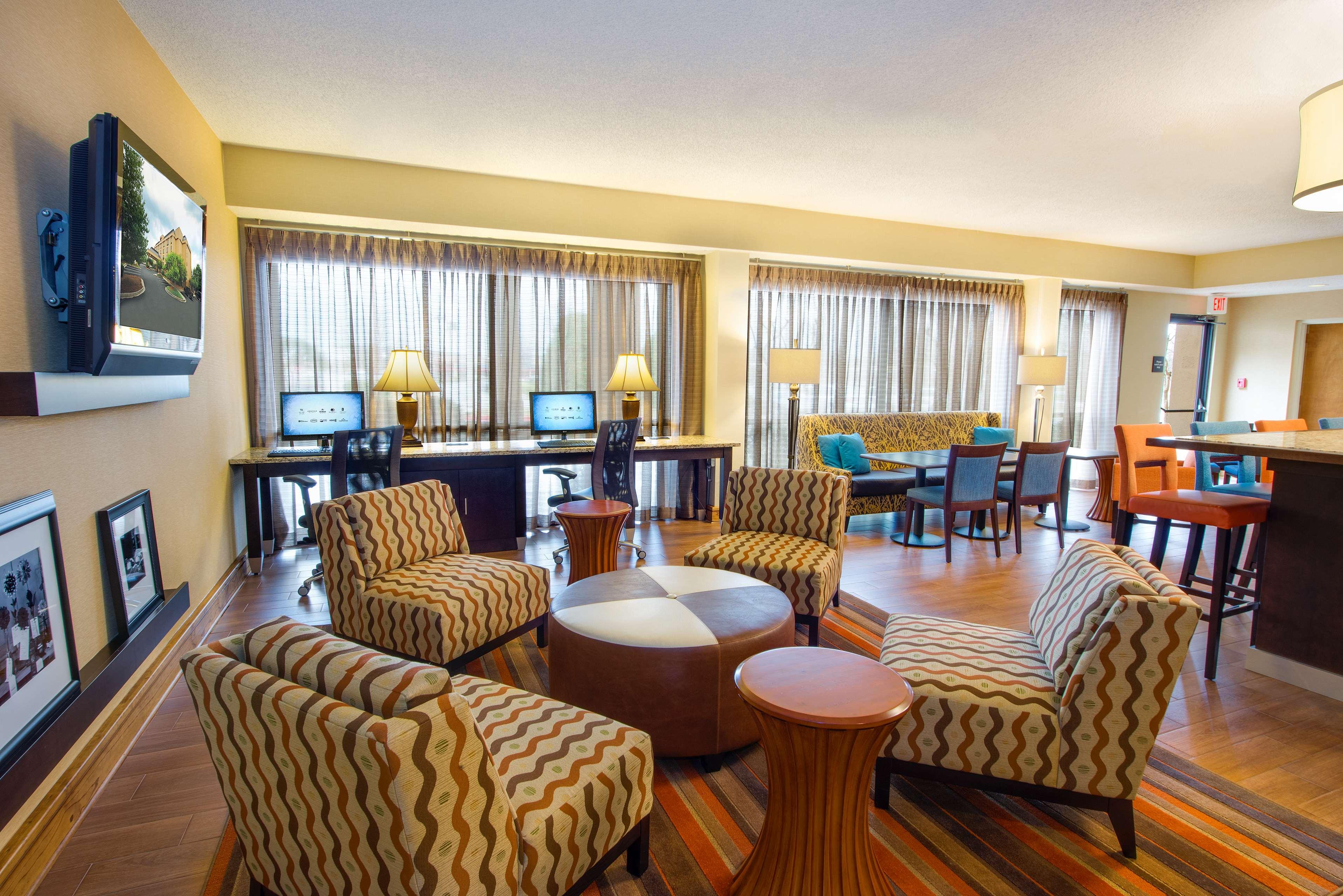 Hampton Inn Atlanta-Southlake image 22
