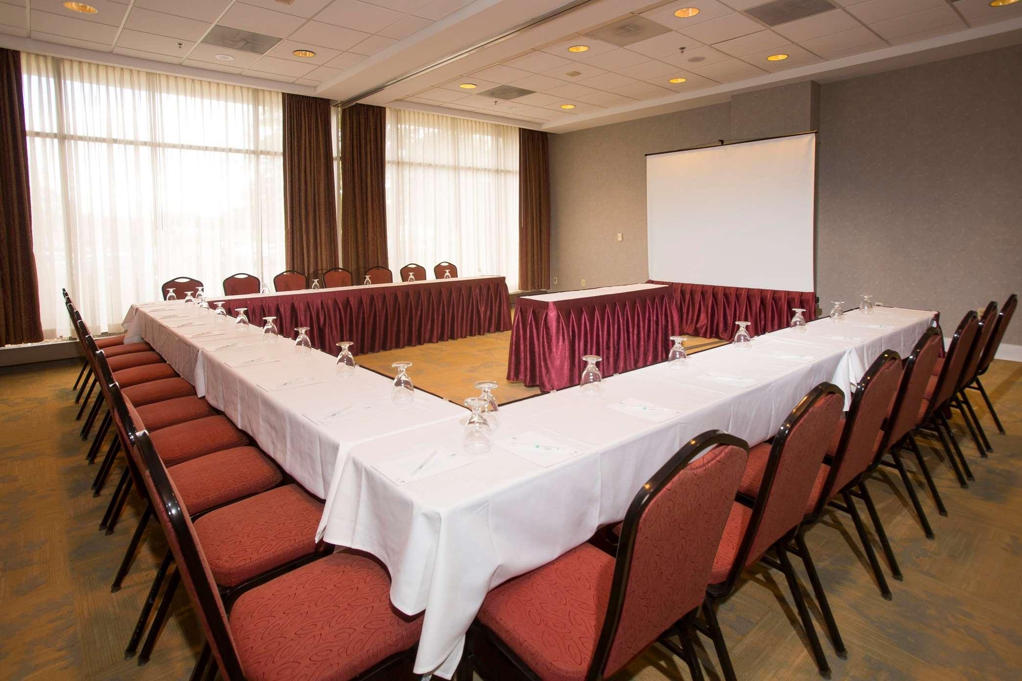 Embassy Suites by Hilton Detroit Troy Auburn Hills image 34