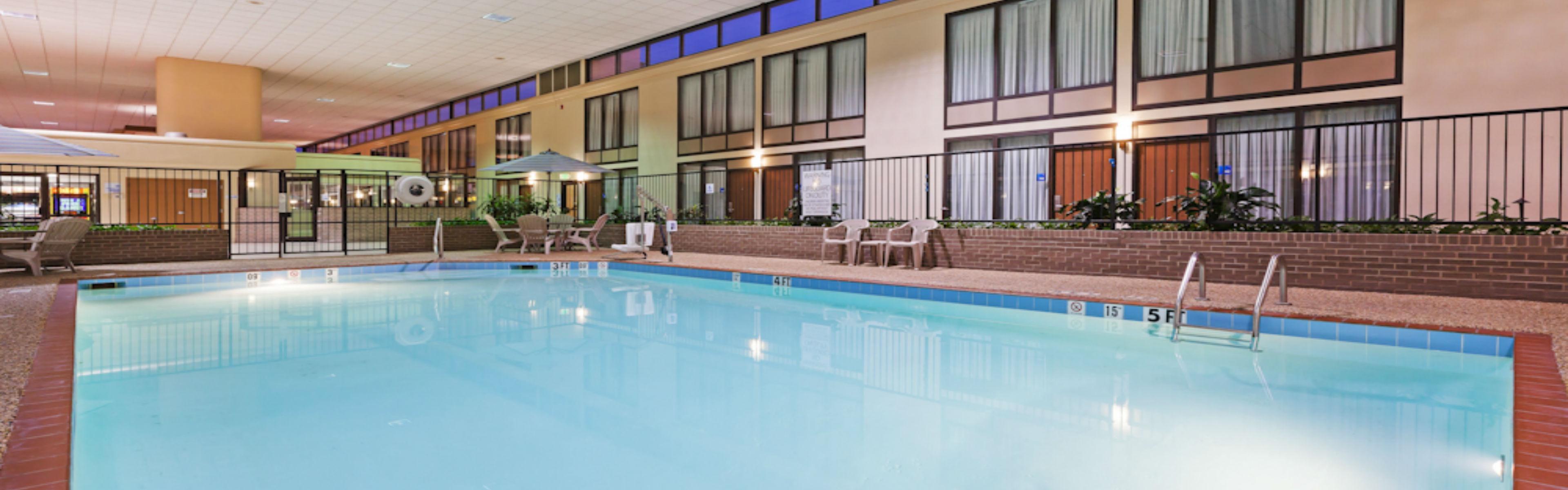 Holiday Inn Express Little Rock-Airport image 2