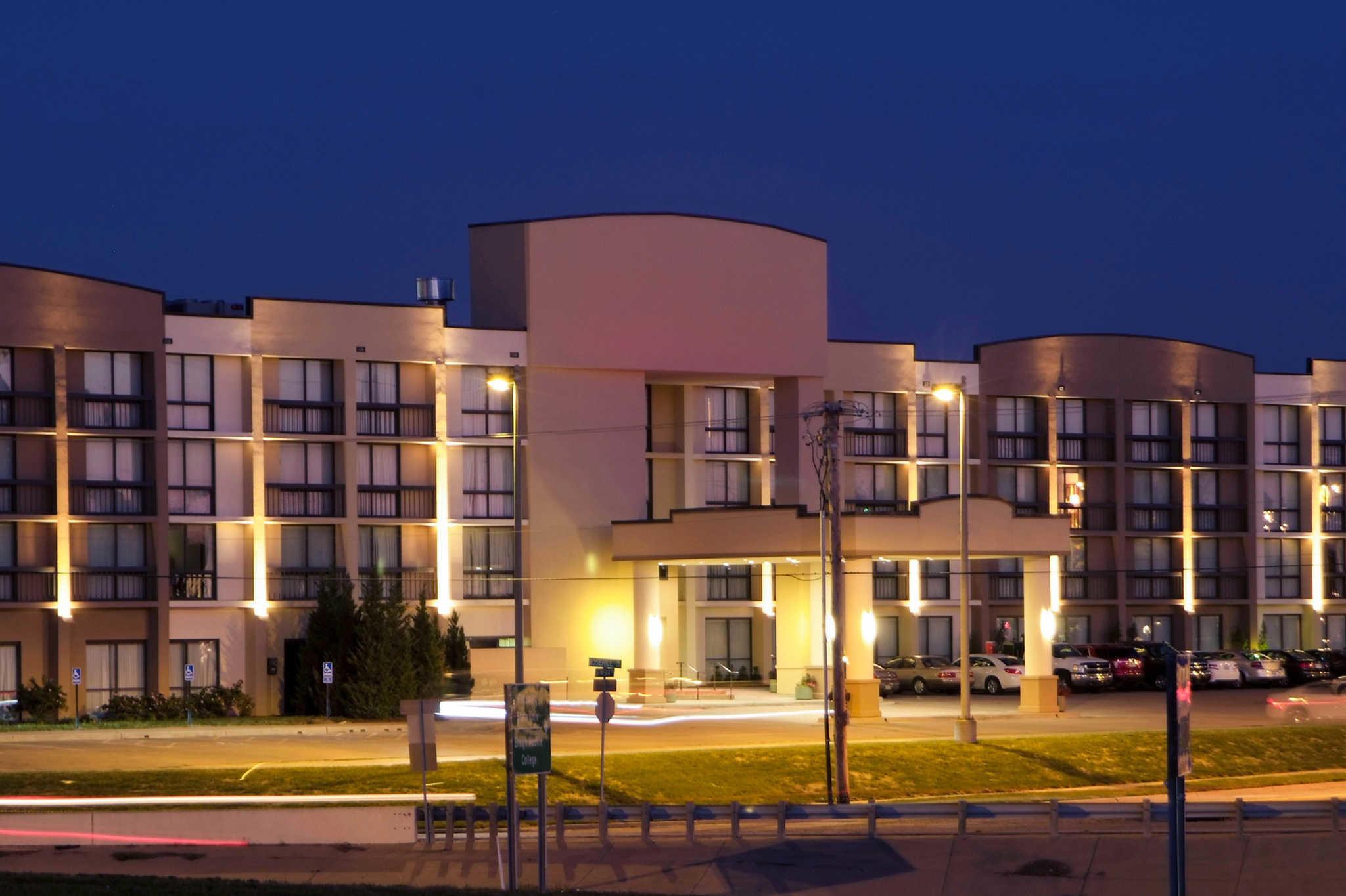 Clarion Hotel Kansas City Overland Park