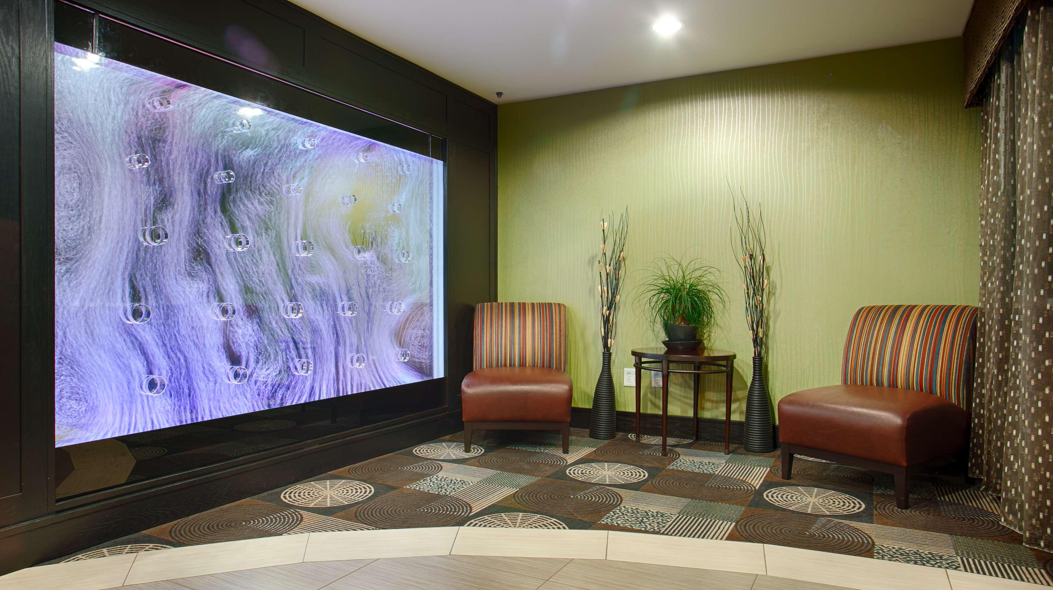Best Western Plus Arlington North Hotel & Suites image 6
