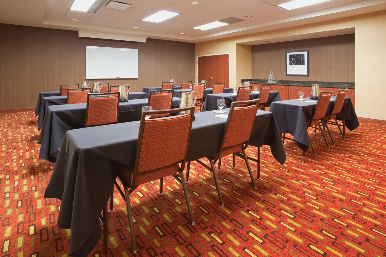 Courtyard by Marriott Grand Junction image 16