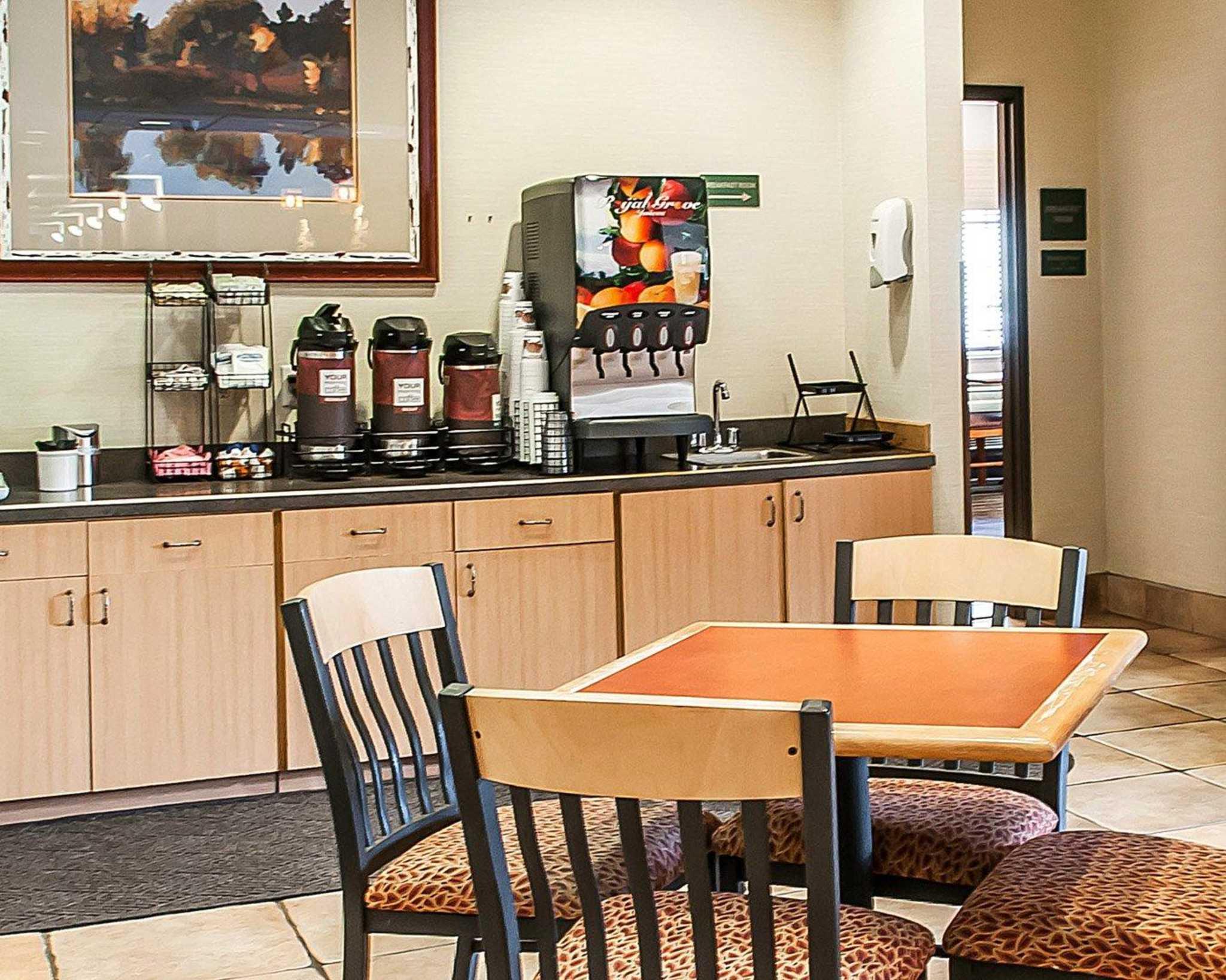 Comfort Inn Midtown image 24