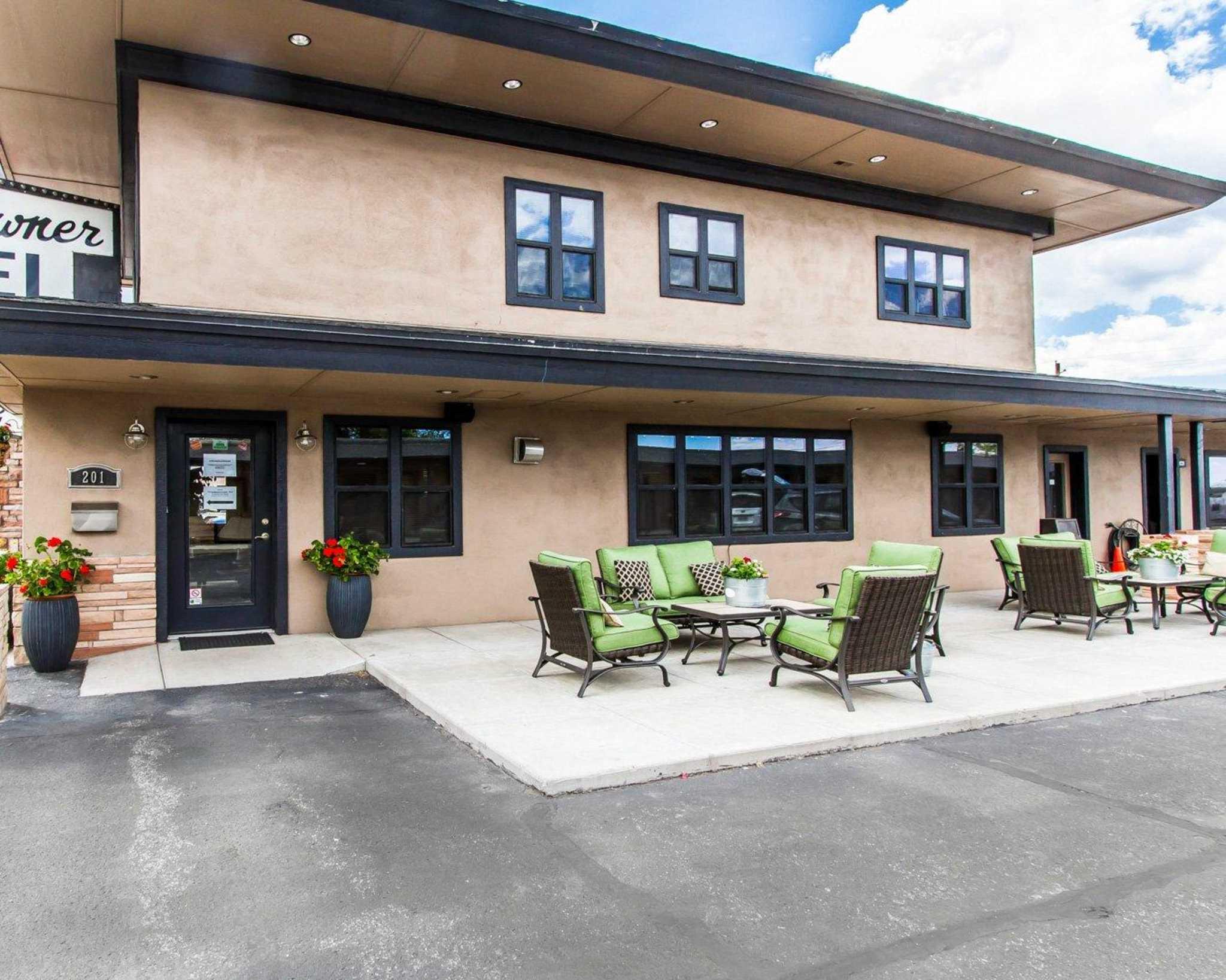 Rodeway Inn & Suites Downtowner-Rte 66 image 1