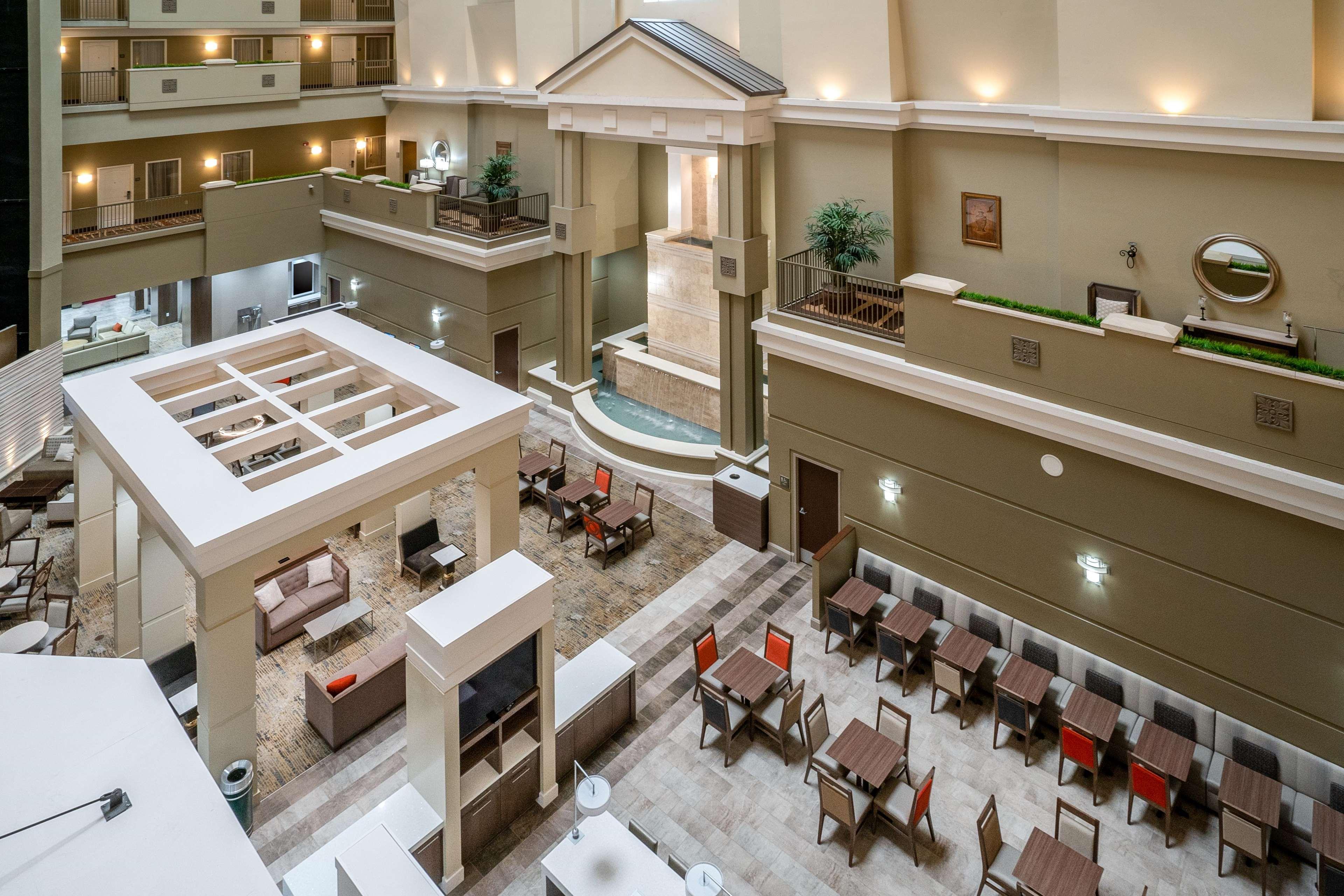 Embassy Suites by Hilton Nashville at Vanderbilt image 10