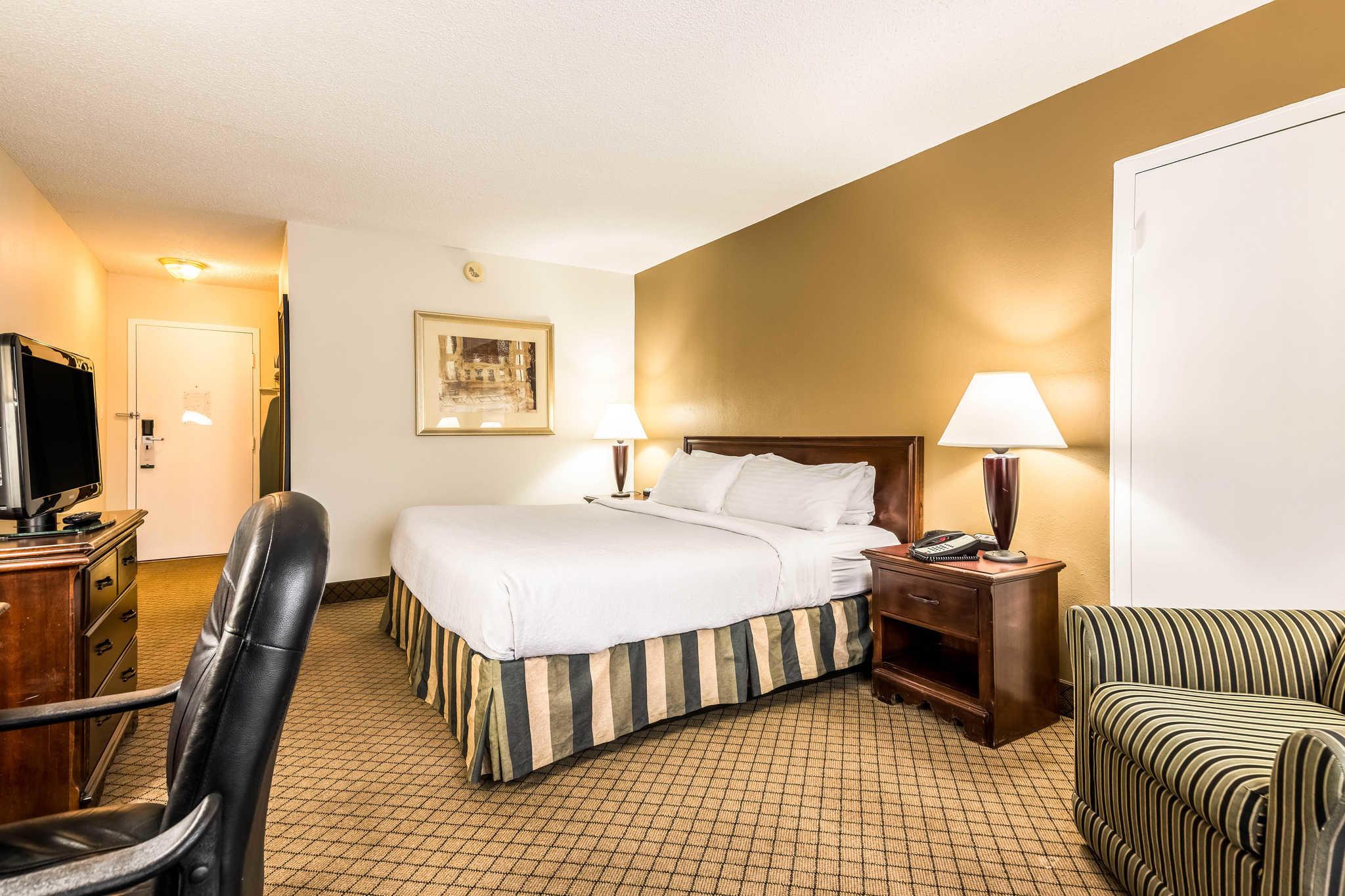 Quality Inn near Finger Lakes and Seneca Falls image 12