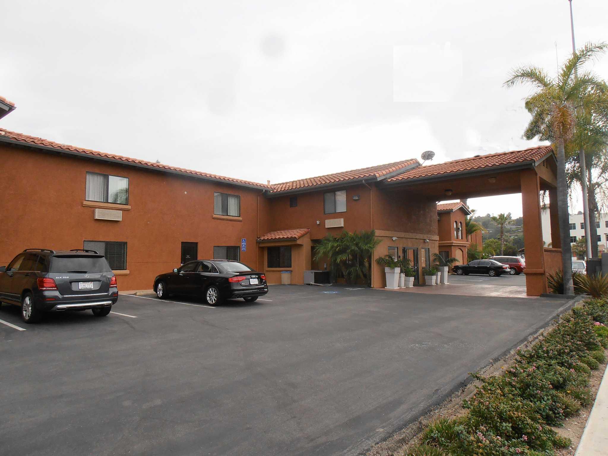 Quality Inn & Suites Oceanside Near Camp Pendleton image 1