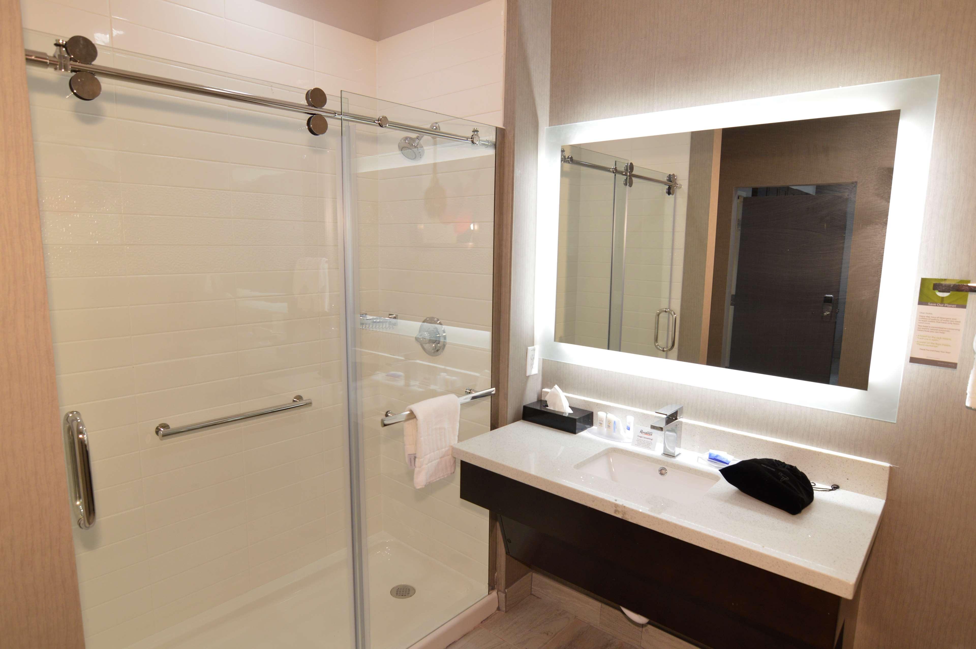 Best Western Plus Executive Residency Baytown image 45