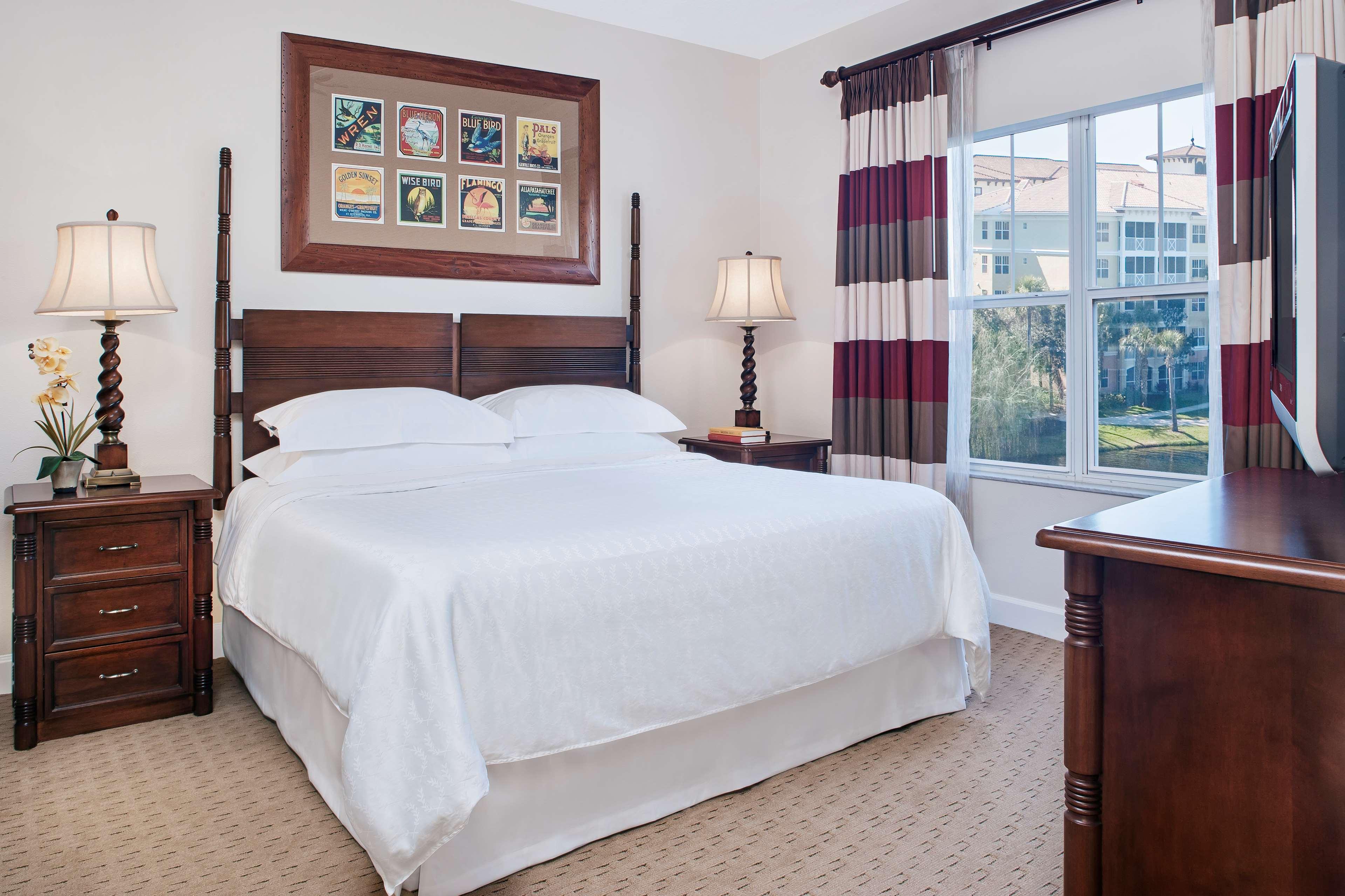 Amelia Phase Bedroom