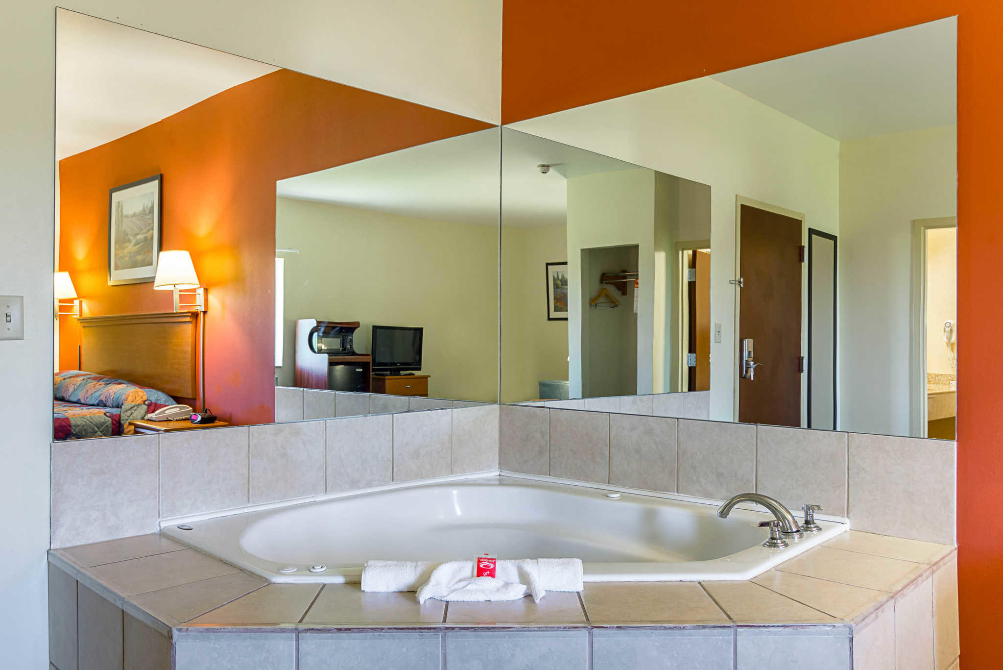 Econo Lodge Inn & Suites Pritchard Road North Little Rock image 14