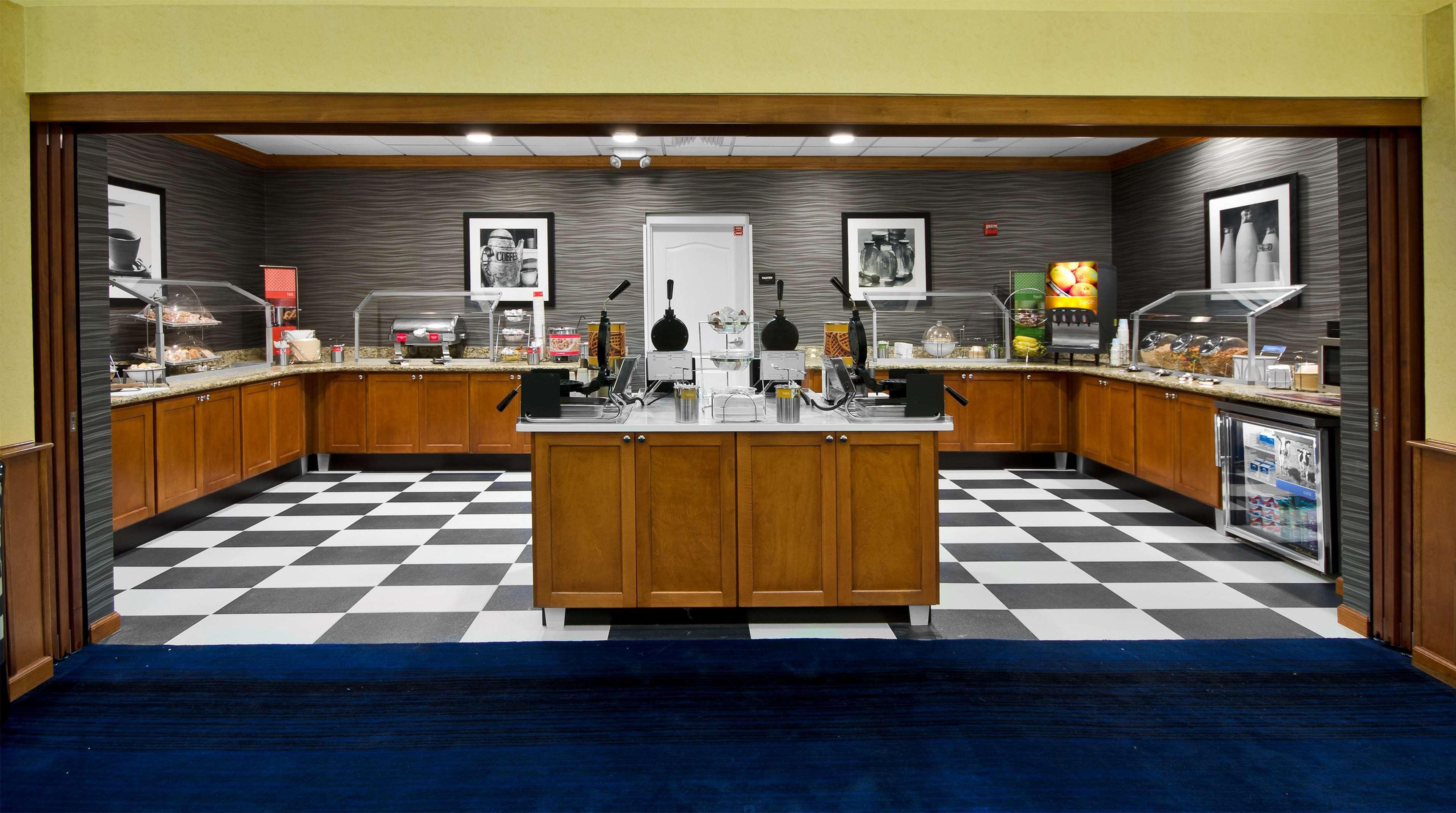 Hampton Inn & Suites Jacksonville South-St. Johns Town Center Area image 34