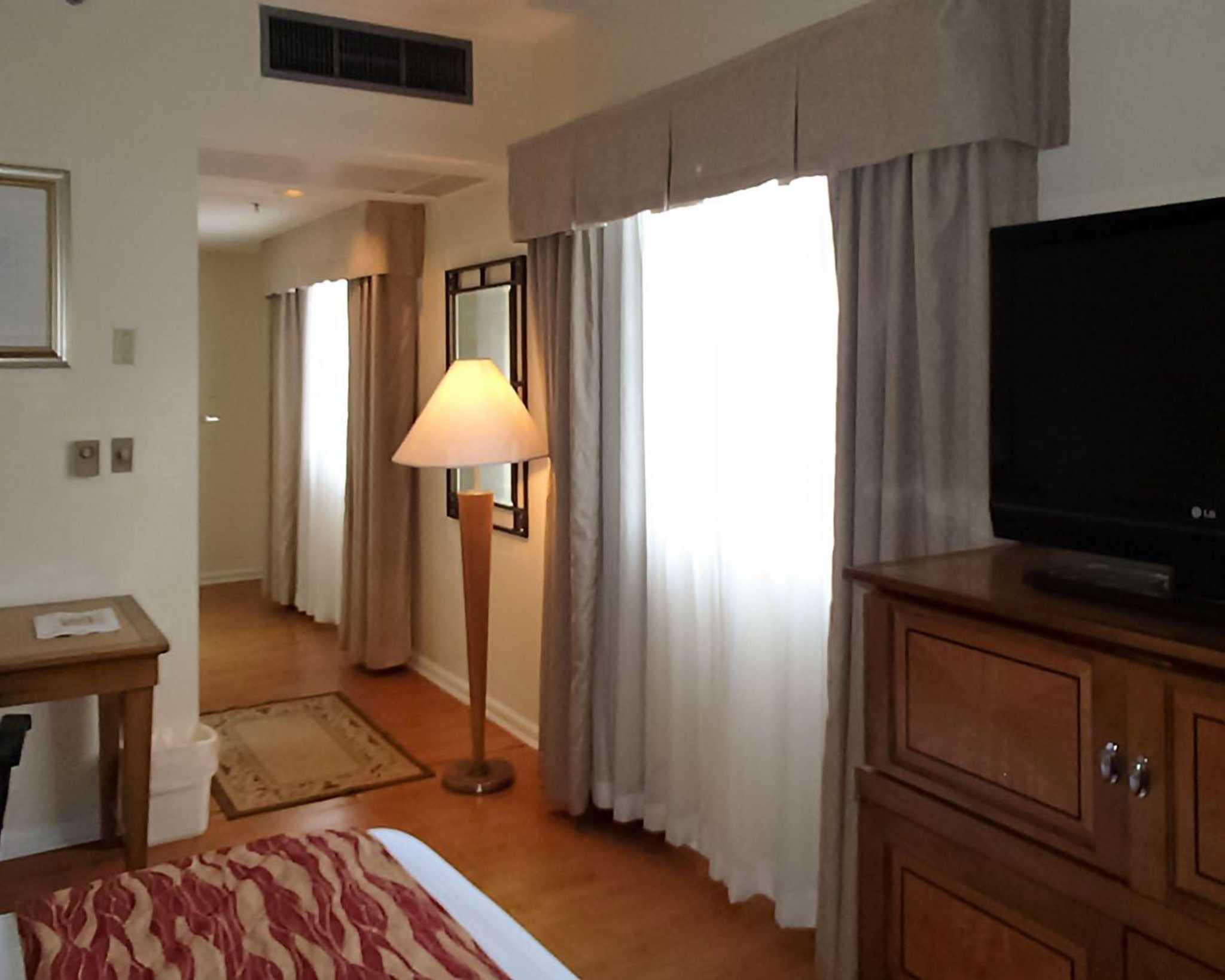 Rodeway Inn South Miami - Coral Gables image 7