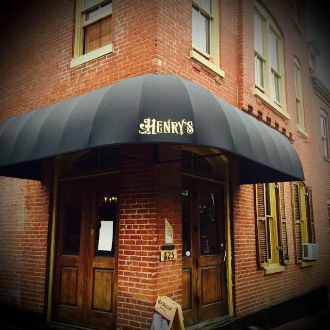 Henry's in Soulard