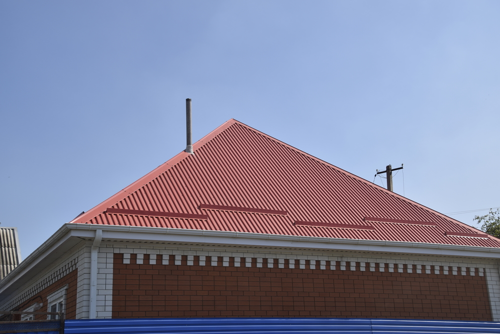 Regardless of what kind of metal roofing you choose, you can be sure that Capitol City Roofing, LLC will provide the best quality materials and installation service. Metal roofing is gaining more popularity in Montgomery and we have a great variety to choose from. We actually offer several attractive low cost services that will lead to long term savings and resilience in nasty weather. Call us now at (334) 277-3311 for a free quote and upgrade the look of your home or business.