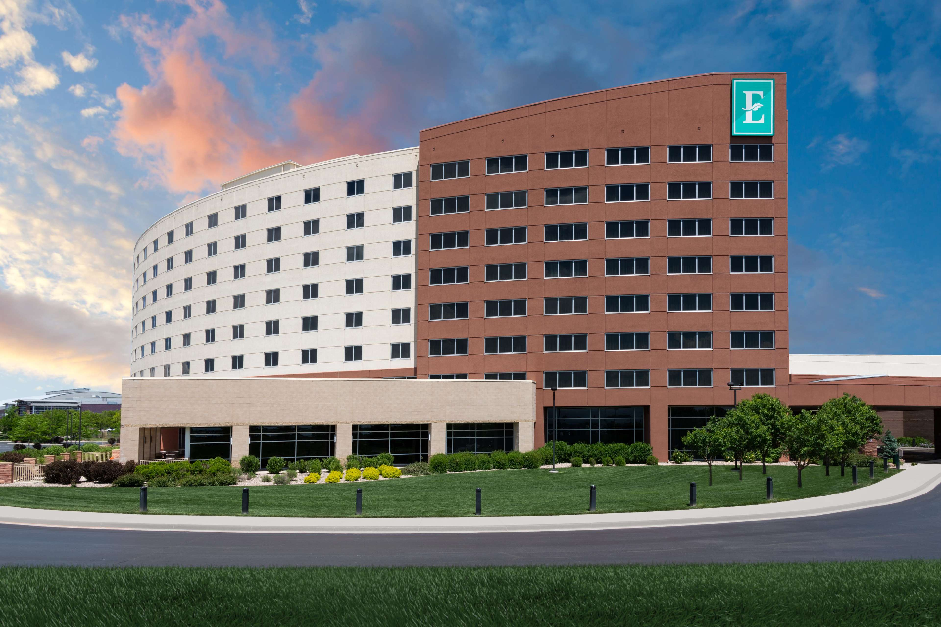 Embassy Suites by Hilton Loveland Hotel Conference Center & Spa